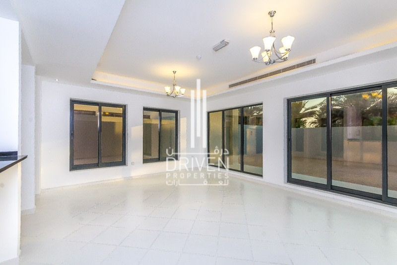 Large Space | Standalone 4 Bed Townhouse -
