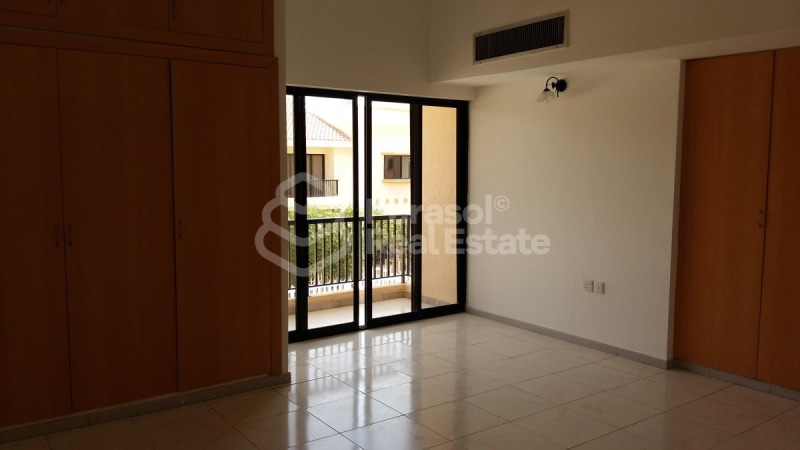 Renovated 4BR Compound Villa with Pool -
