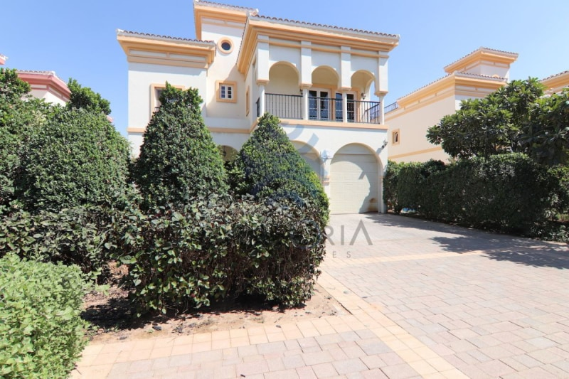 Ready To Move In 4 Bedrooms Plus Study Villa -