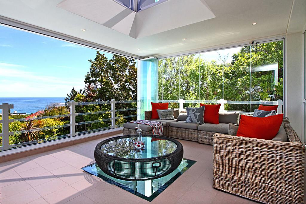 Luxury villas for rent in the Meadows