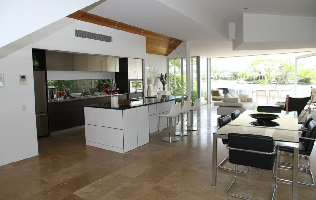 Contemporary home with open kitchen