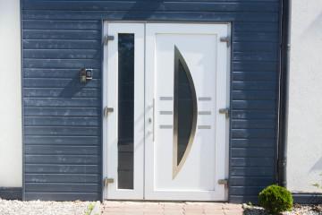 Drzwi wejściowe PVC z panelem Lumeo