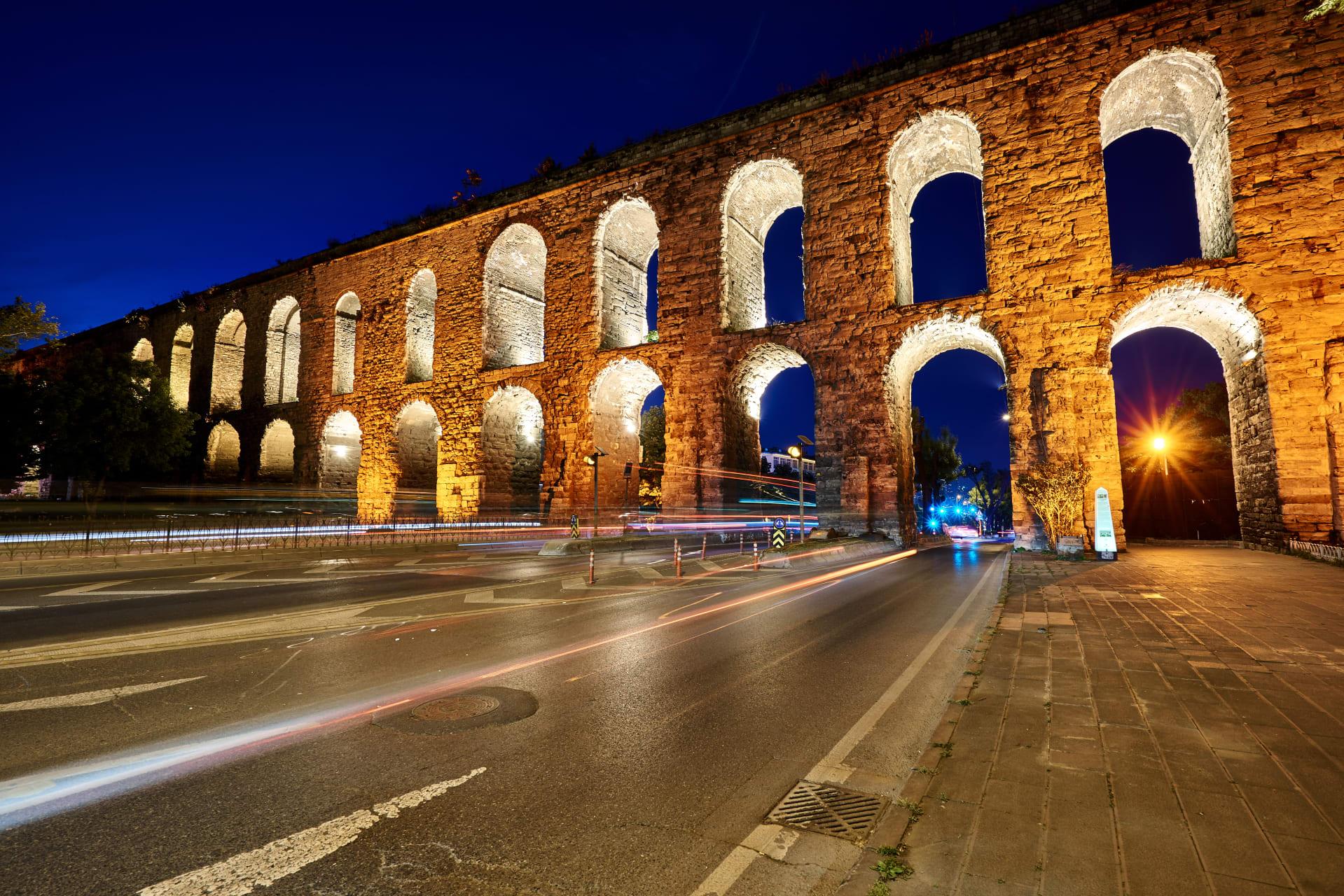 Istanbul - Roman Aqueduct & Ottoman Prince Mosque
