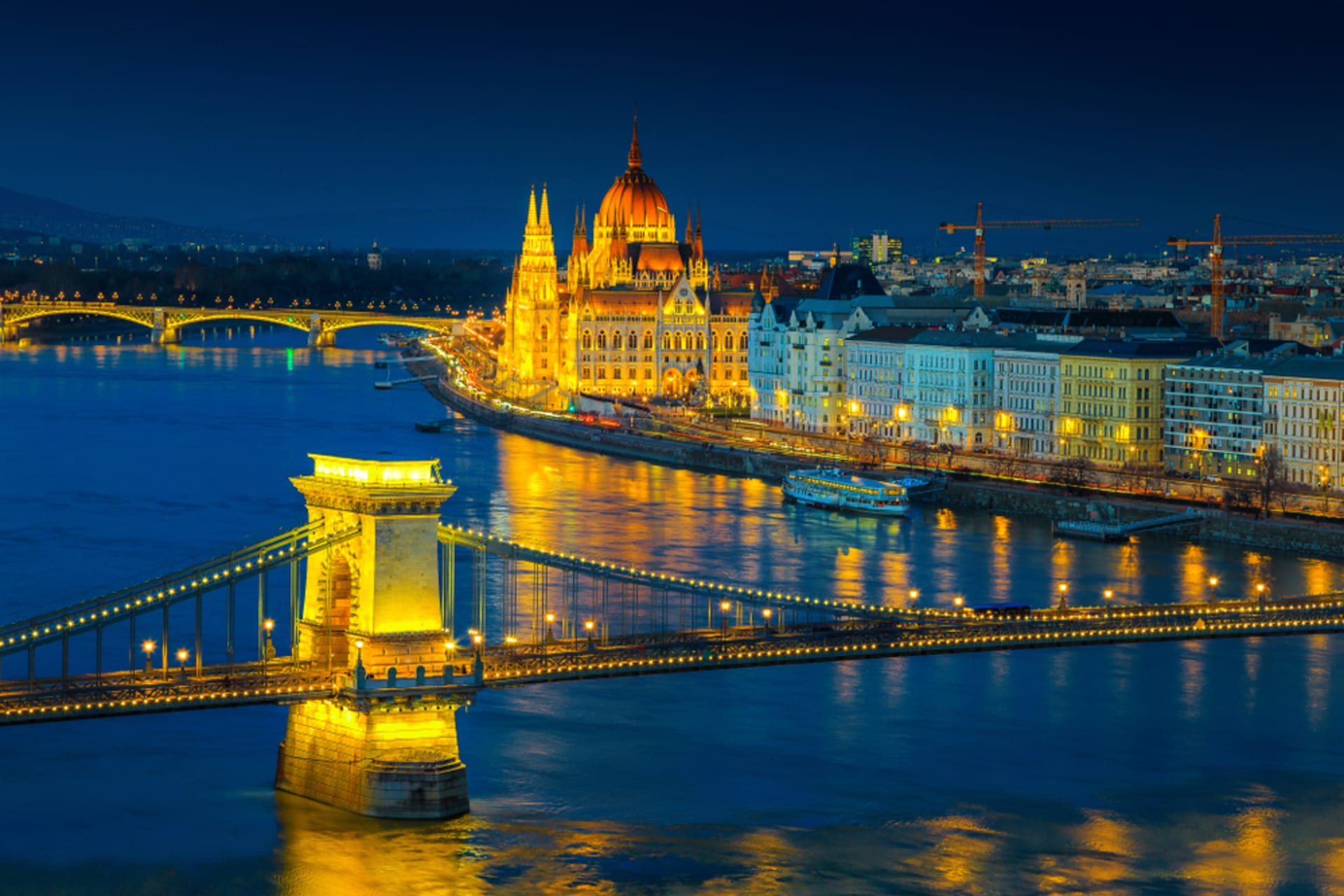 Budapest - Valentine's Day Special - A Date in Lovely Budapest