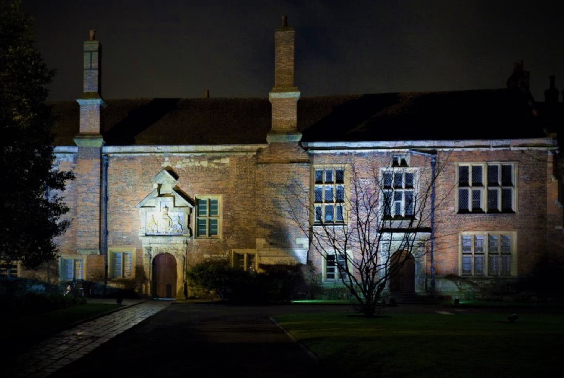York - A Walk with the Ghosts of Ancient York - Europe's Most Haunted City