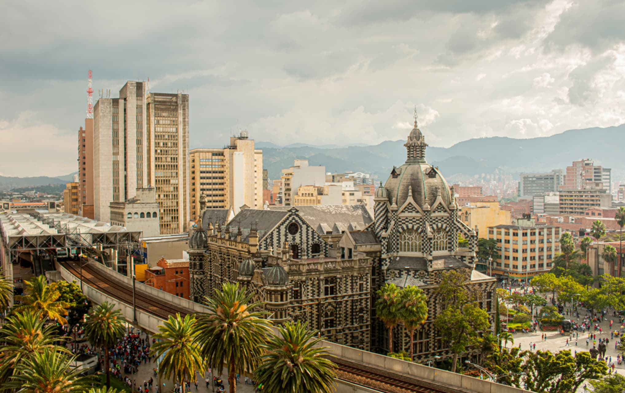 Medellín - Hustle and Bustle tour around Medellín Downtown
