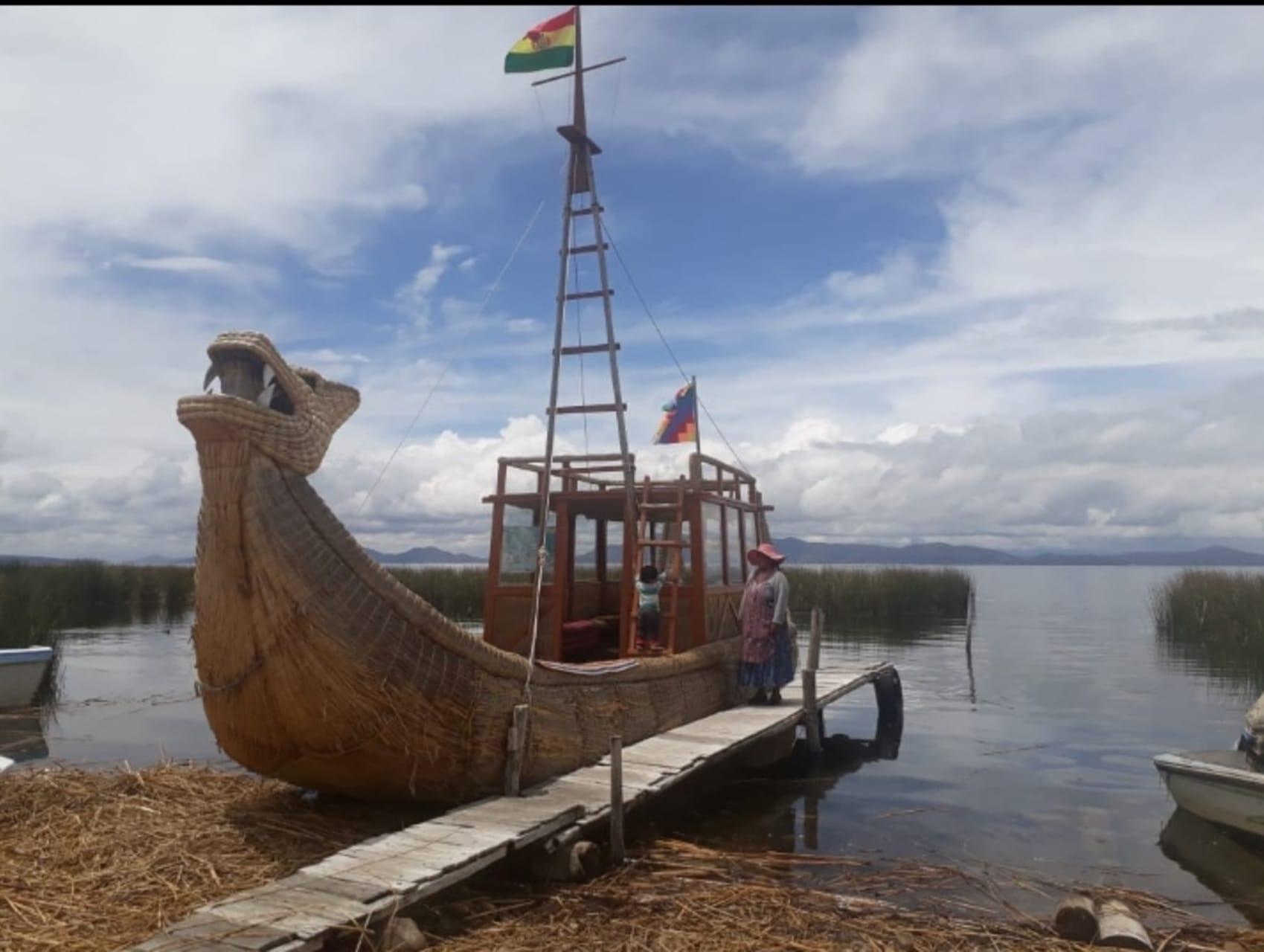Lake Titicaca - Bolivia - Totora Reed Boat Builders