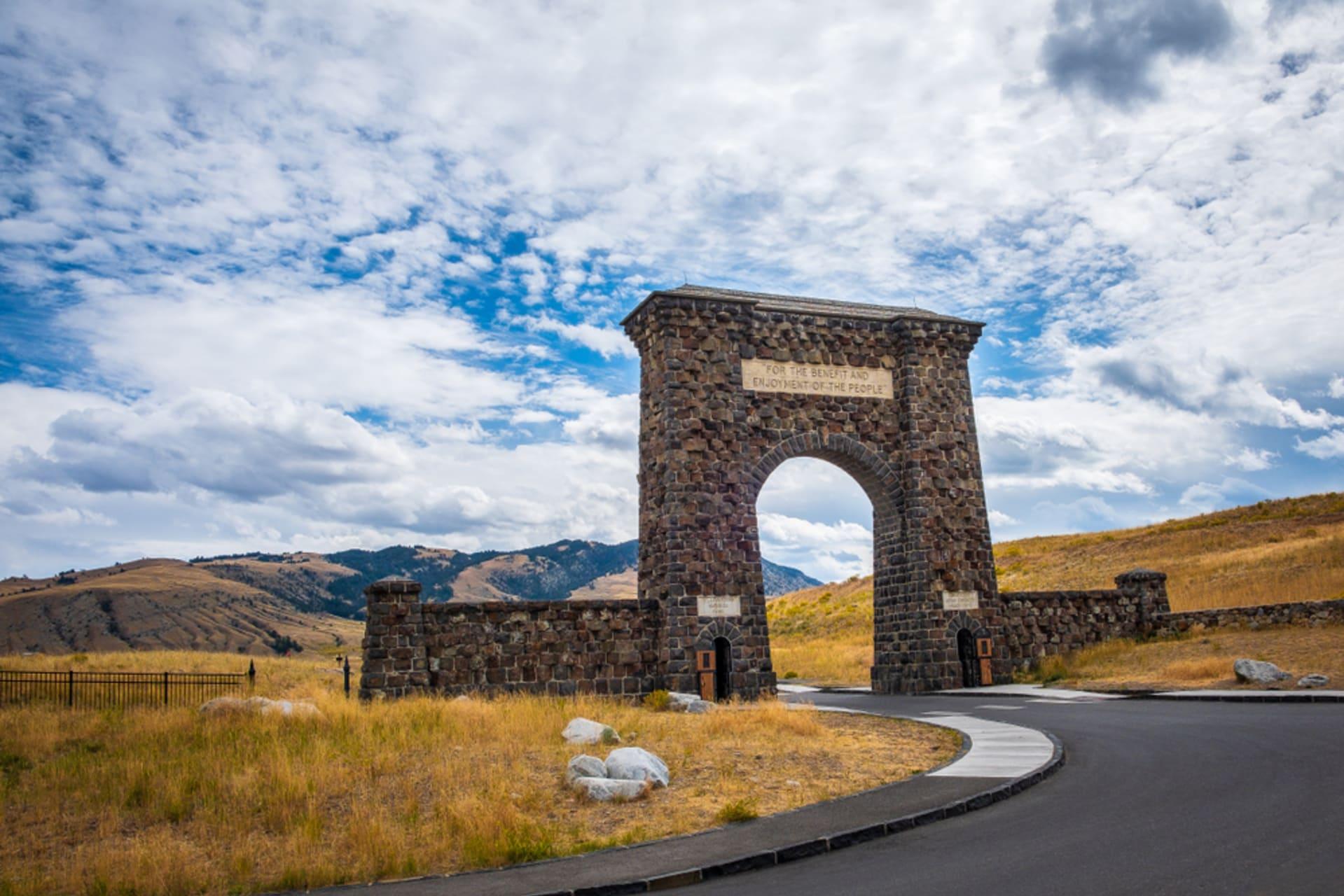Yellowstone - The Roosevelt Arch, Yellowstone's Original Gateway
