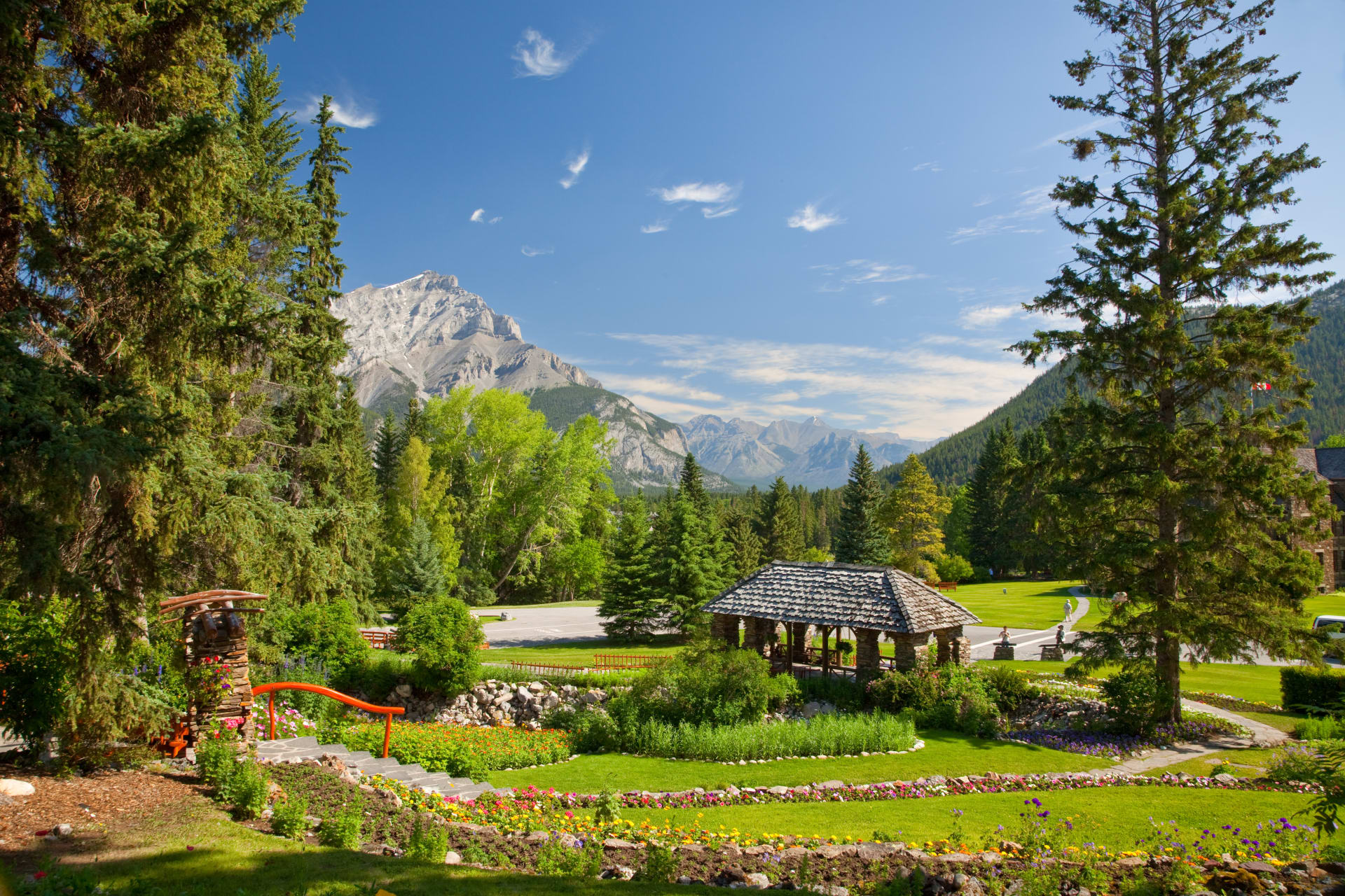 Banff - Iconic view of Banff from the peaceful Cascade Gardens