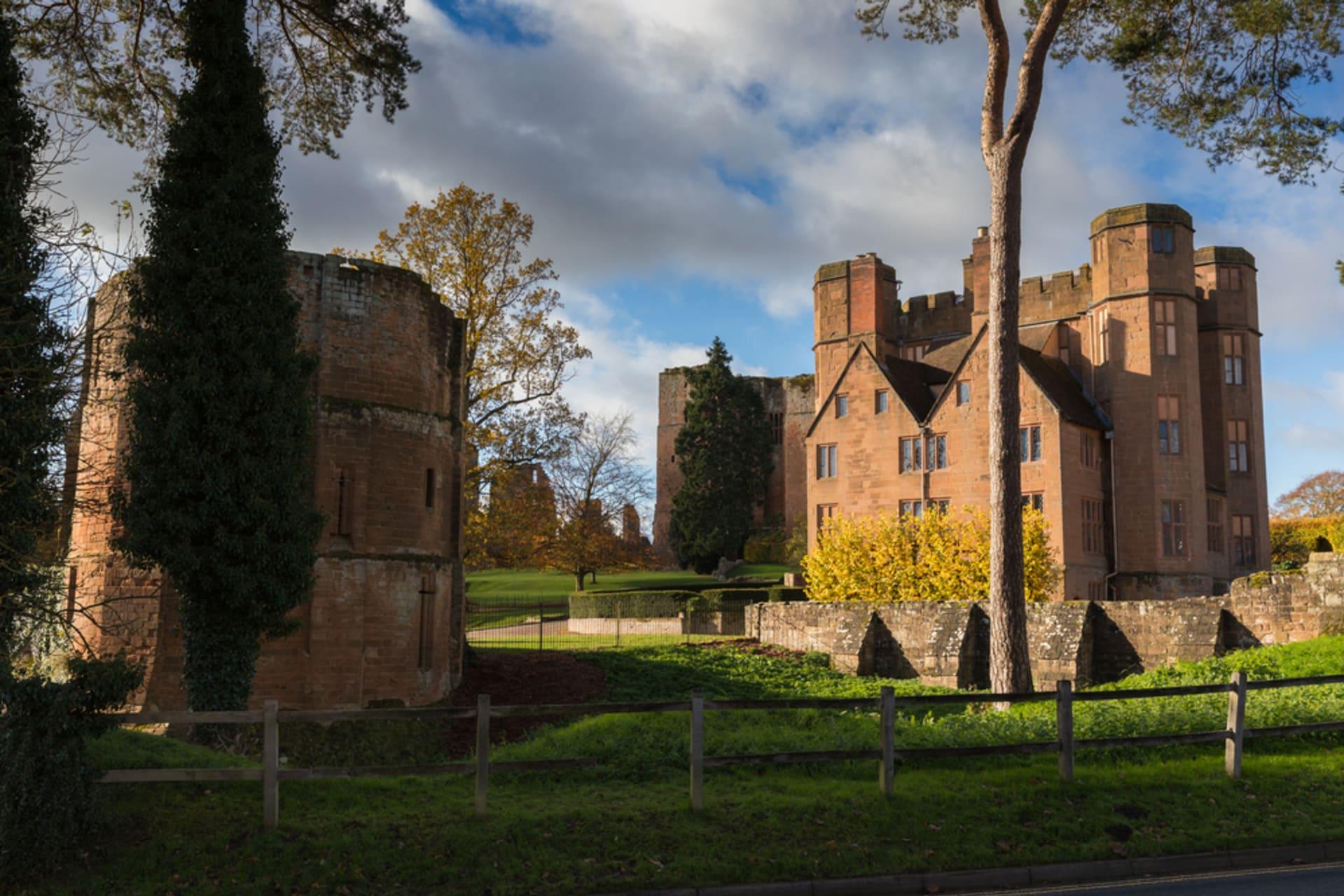 Kenilworth - Kenilworth Castle - Fortress, Palace, Ruin