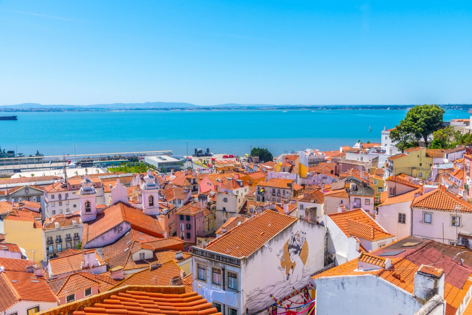 Lisbon - True Portuguese Soul in Mouraria