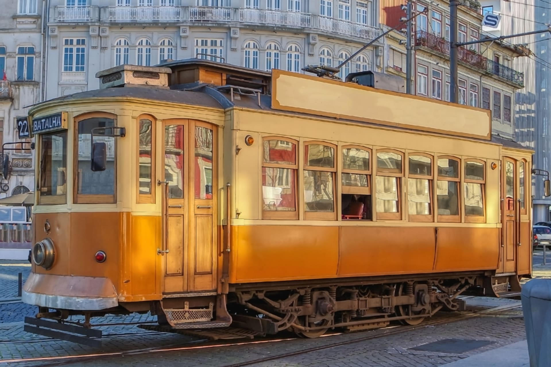 """Porto - On the Tram with Cláudia"""" - Part 2 (Buildings View)"""