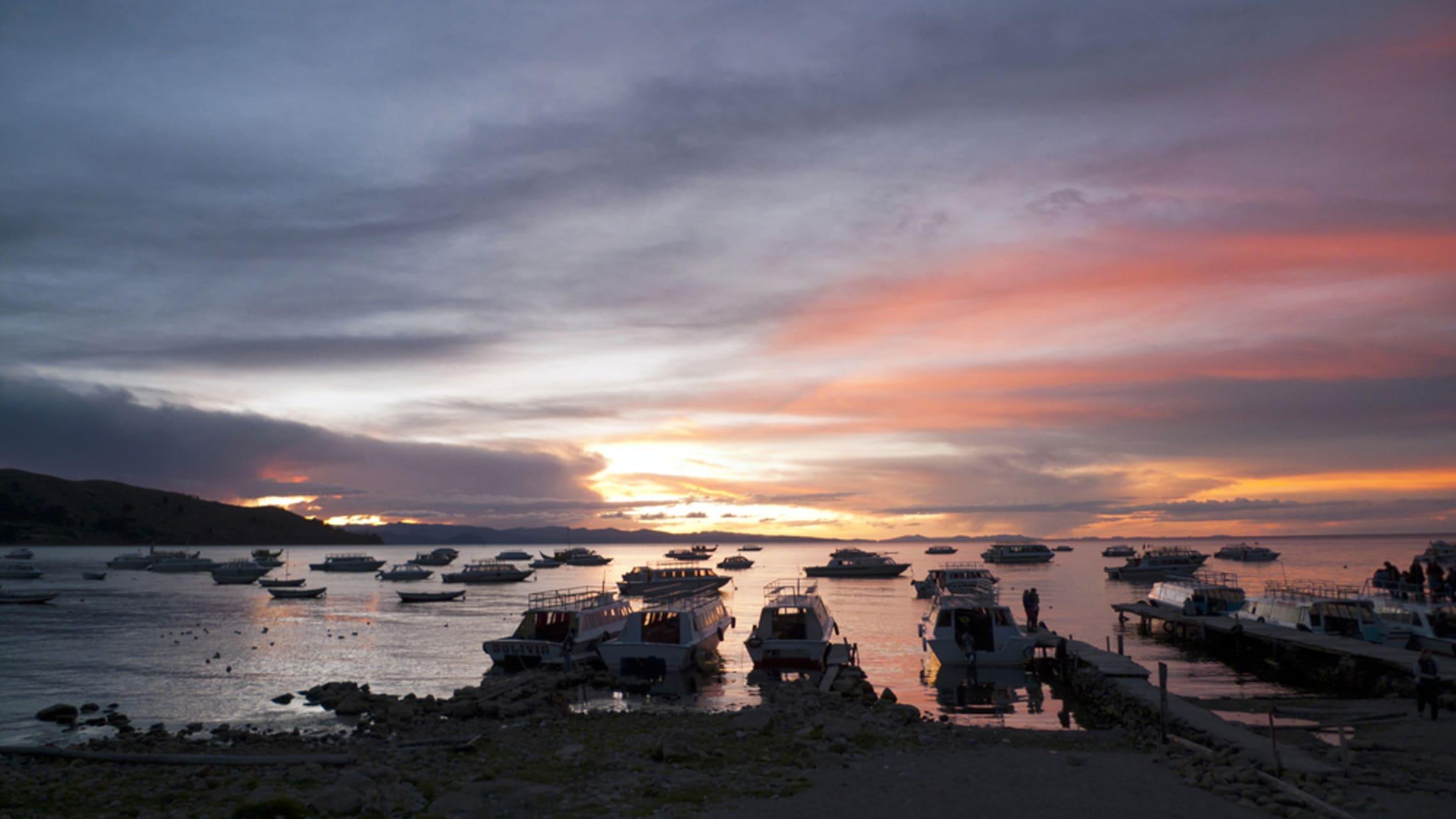 Lake Titicaca - Bolivia - Sunset over Titicaca Lake