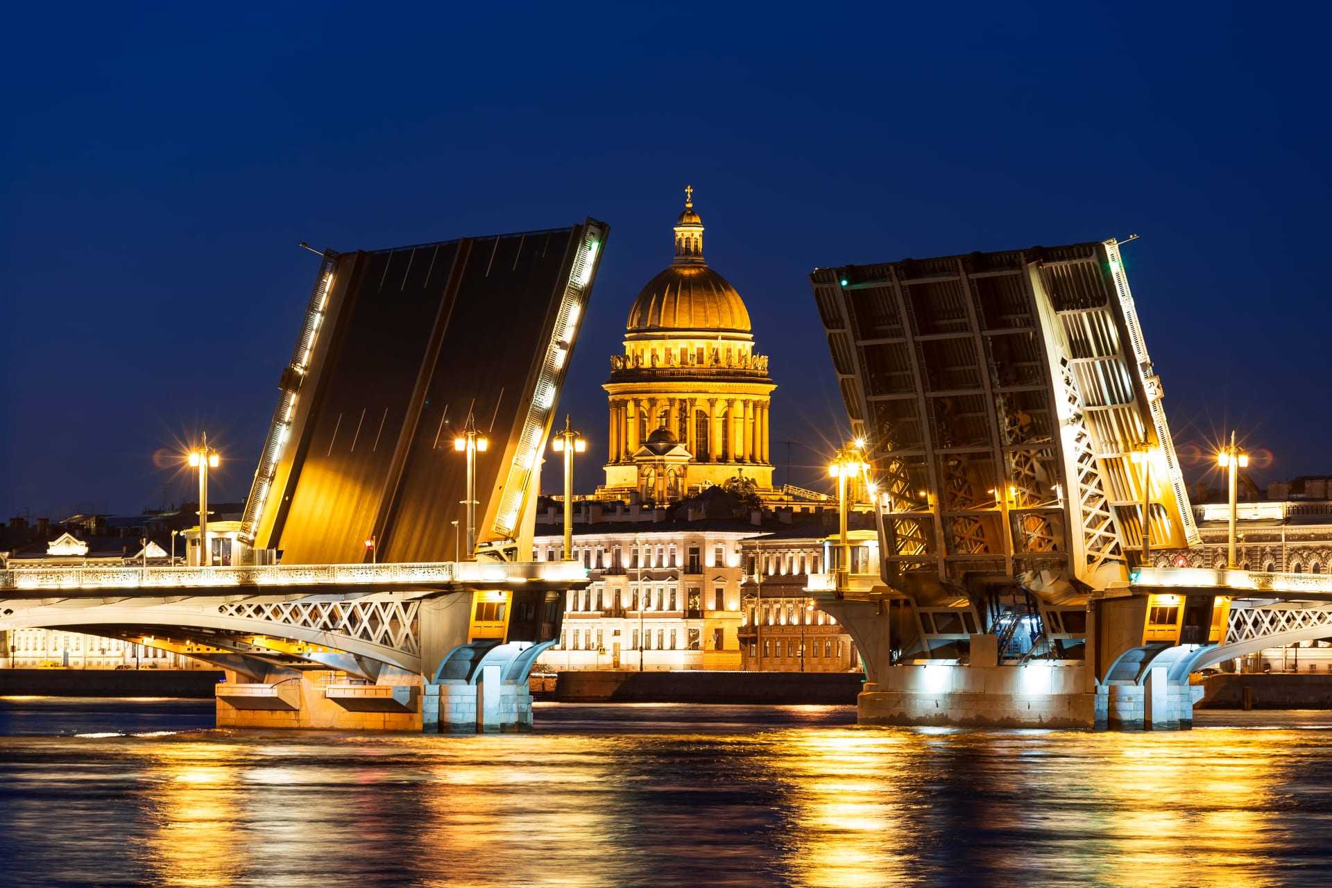 Saint Petersburg - White Nights Special: Bridge opening Part II. Palace Bridge (from the other Neva bank) and Annunciation Bridge