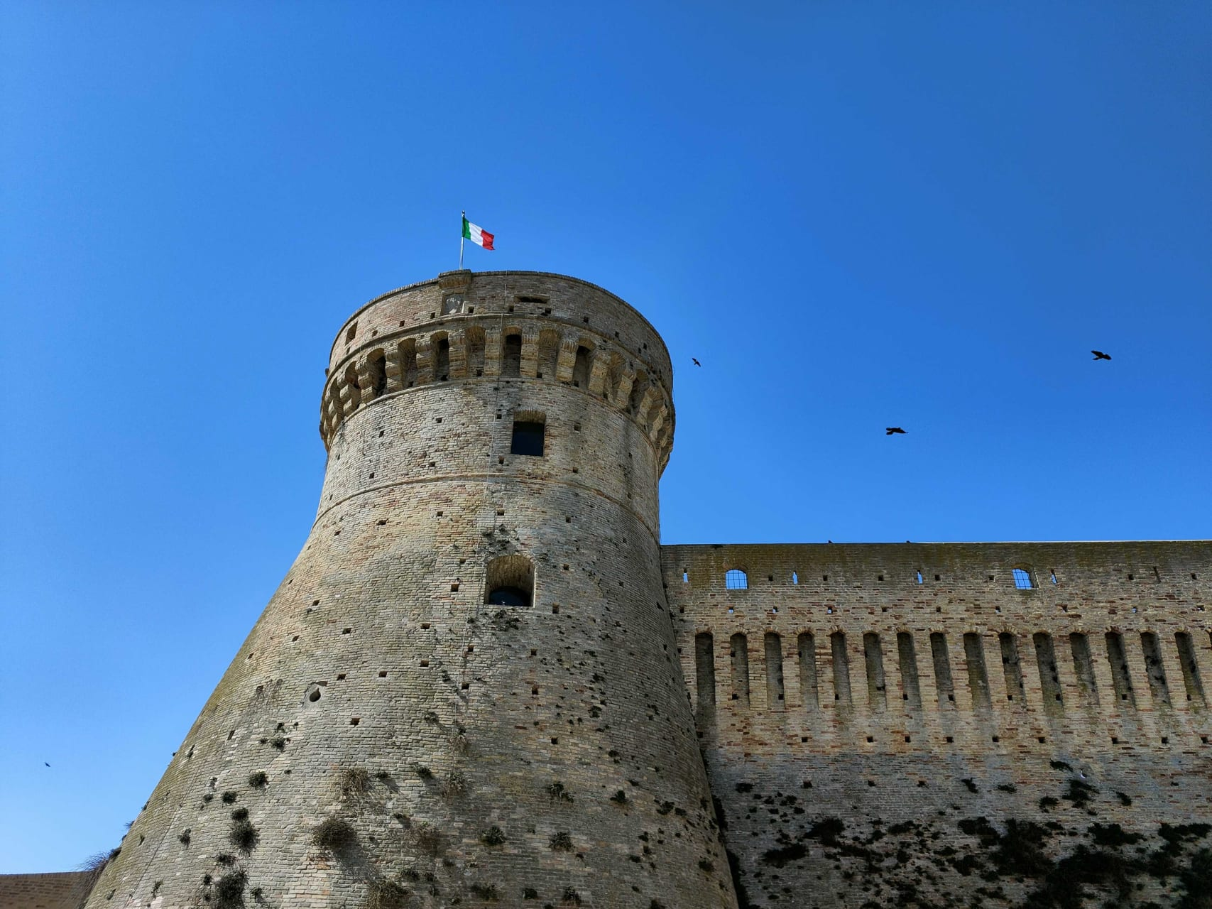 Marche - Acquaviva Picena - Knights, Dames & Love Stories of the Middle-Ages