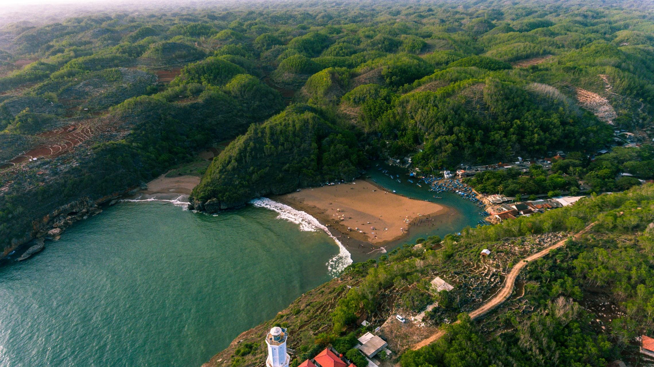 Yogyakarta - Baron Beach: Traditional Fishermen Landing Point in Yogyakarta