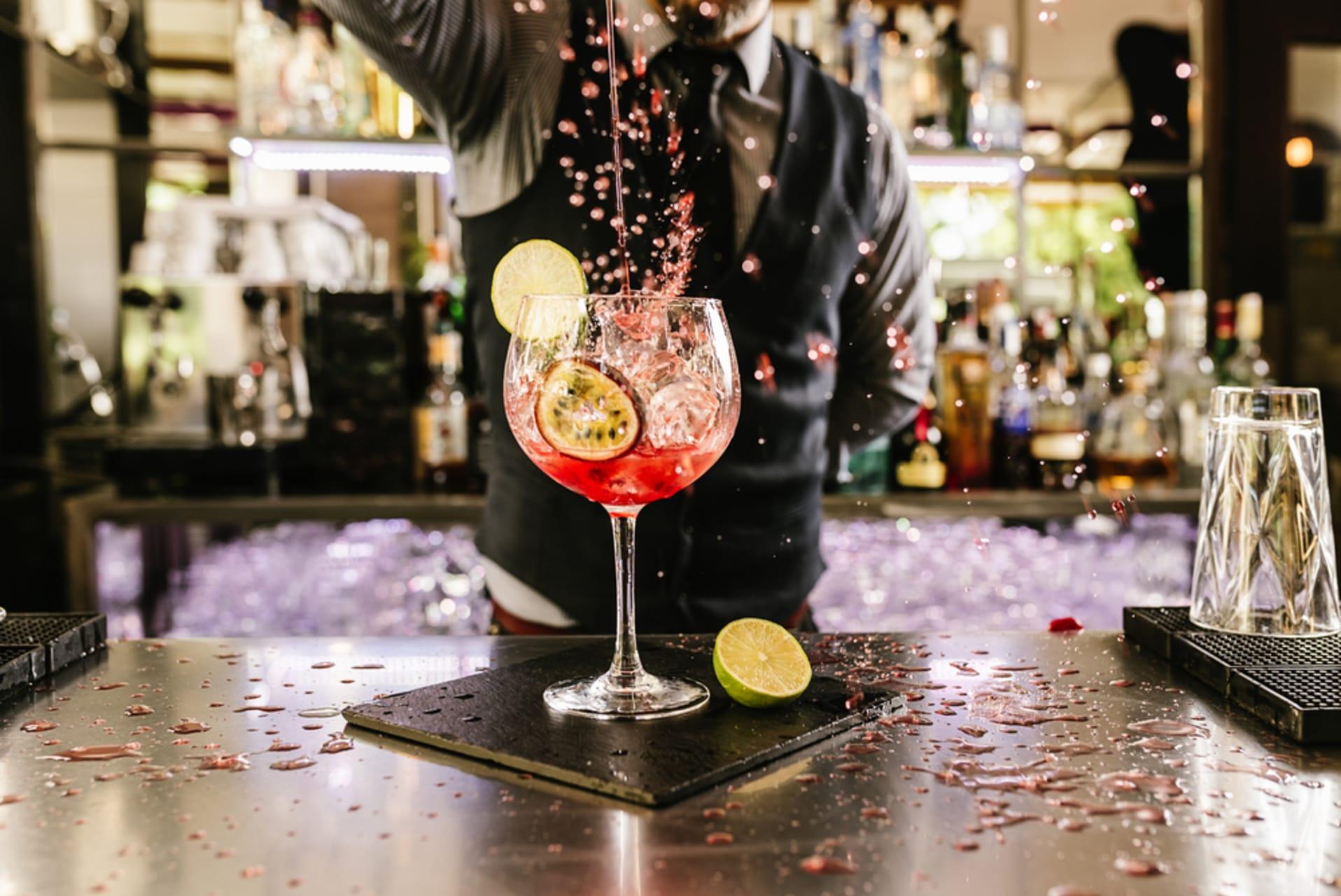 Lima - Peruvian bartending class part 1: Algarrobina , Chilcano , Pisco Punch