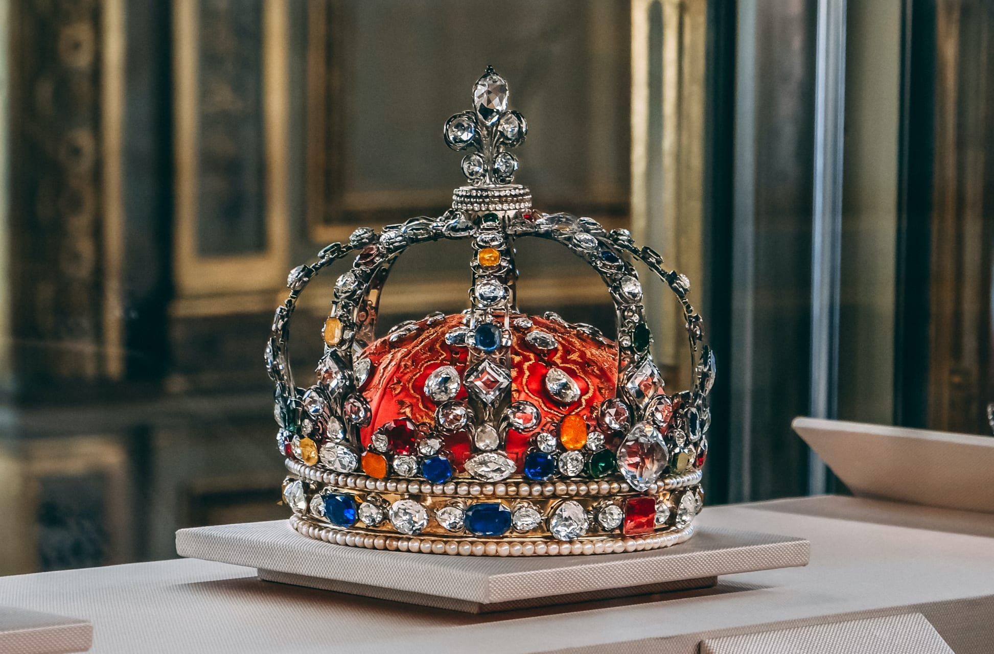 Paris - LOUVRE : The Crown Jewels and the Apollo Gallery