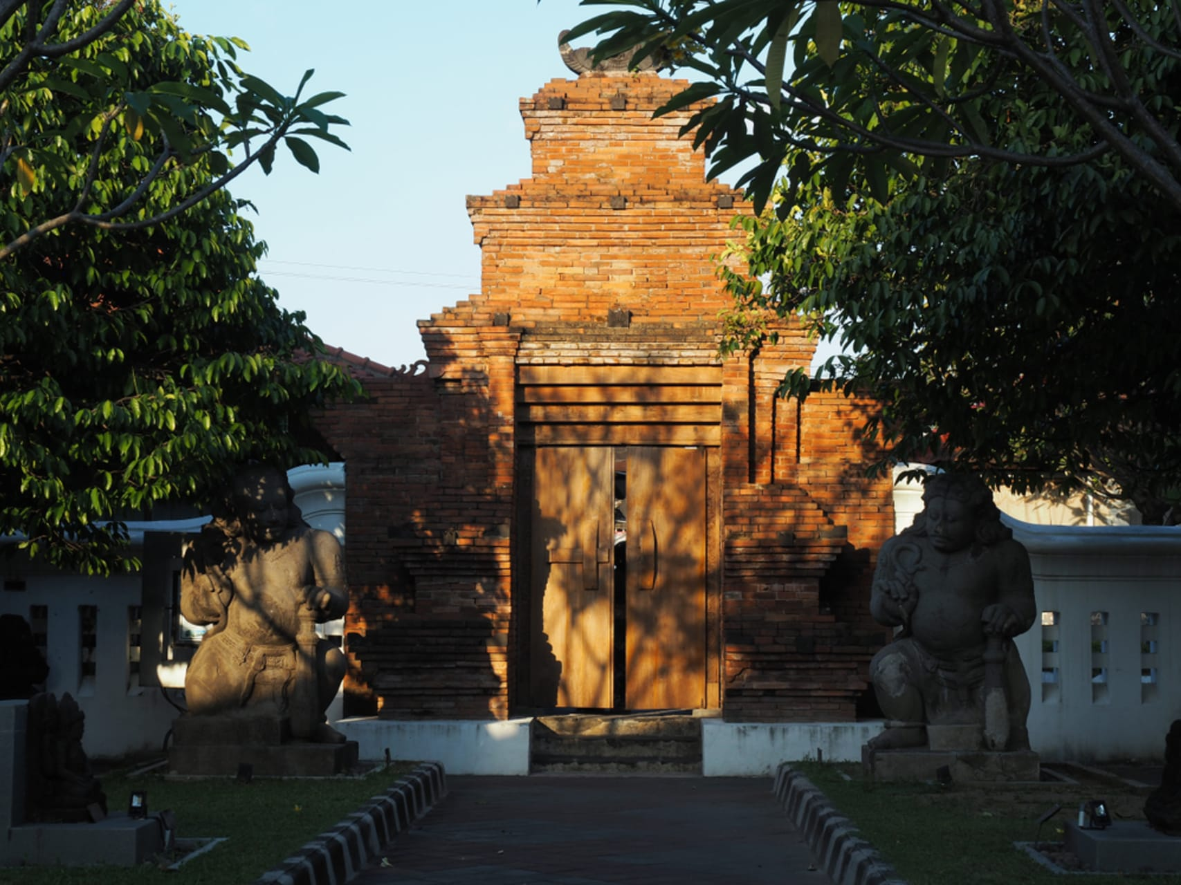 Yogyakarta - Sonobudoyo Museum Part-2: Batik, Wayang and Bali