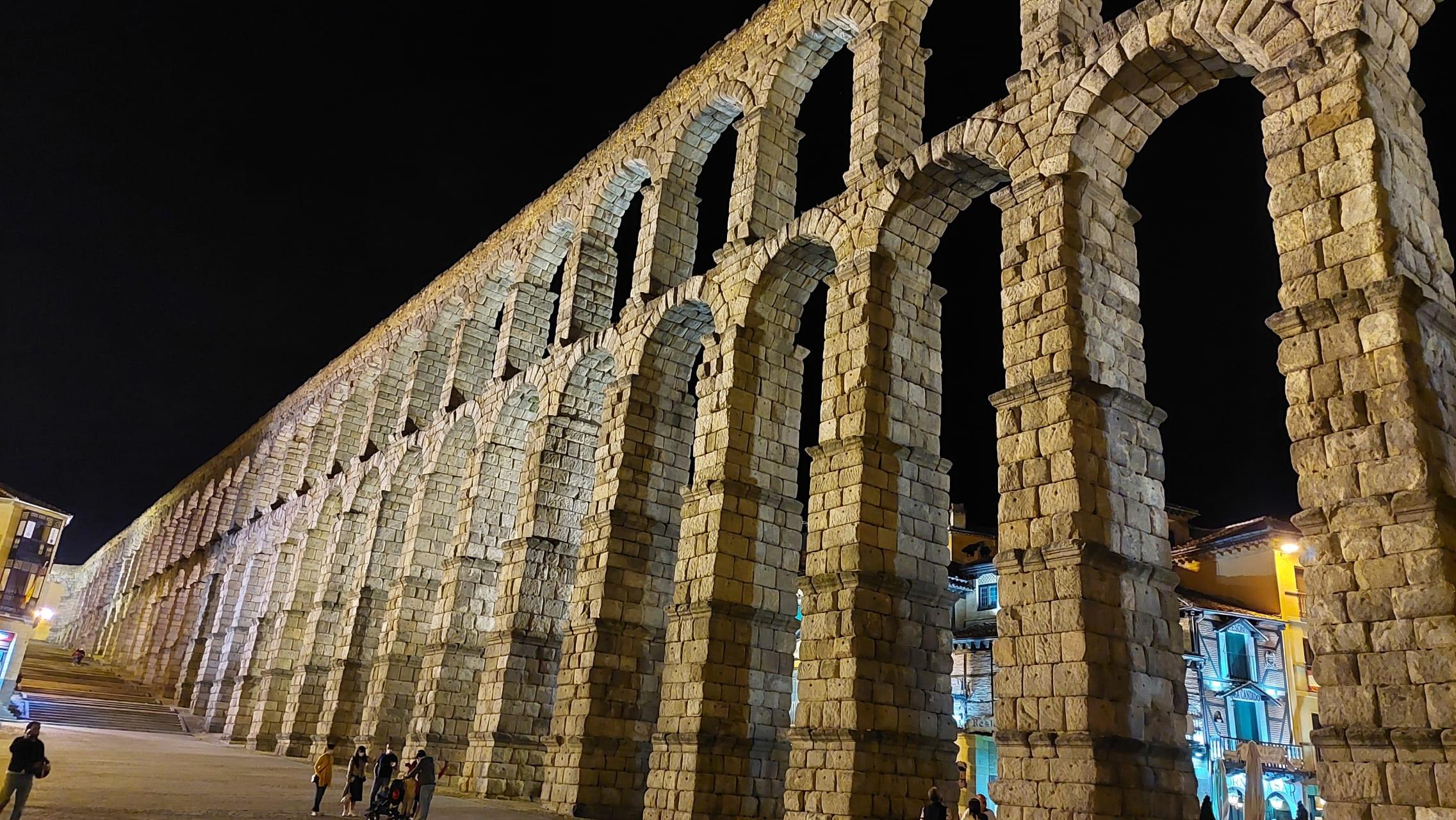 Segovia - The Impressive and Unique Roman Aqueduct by Night