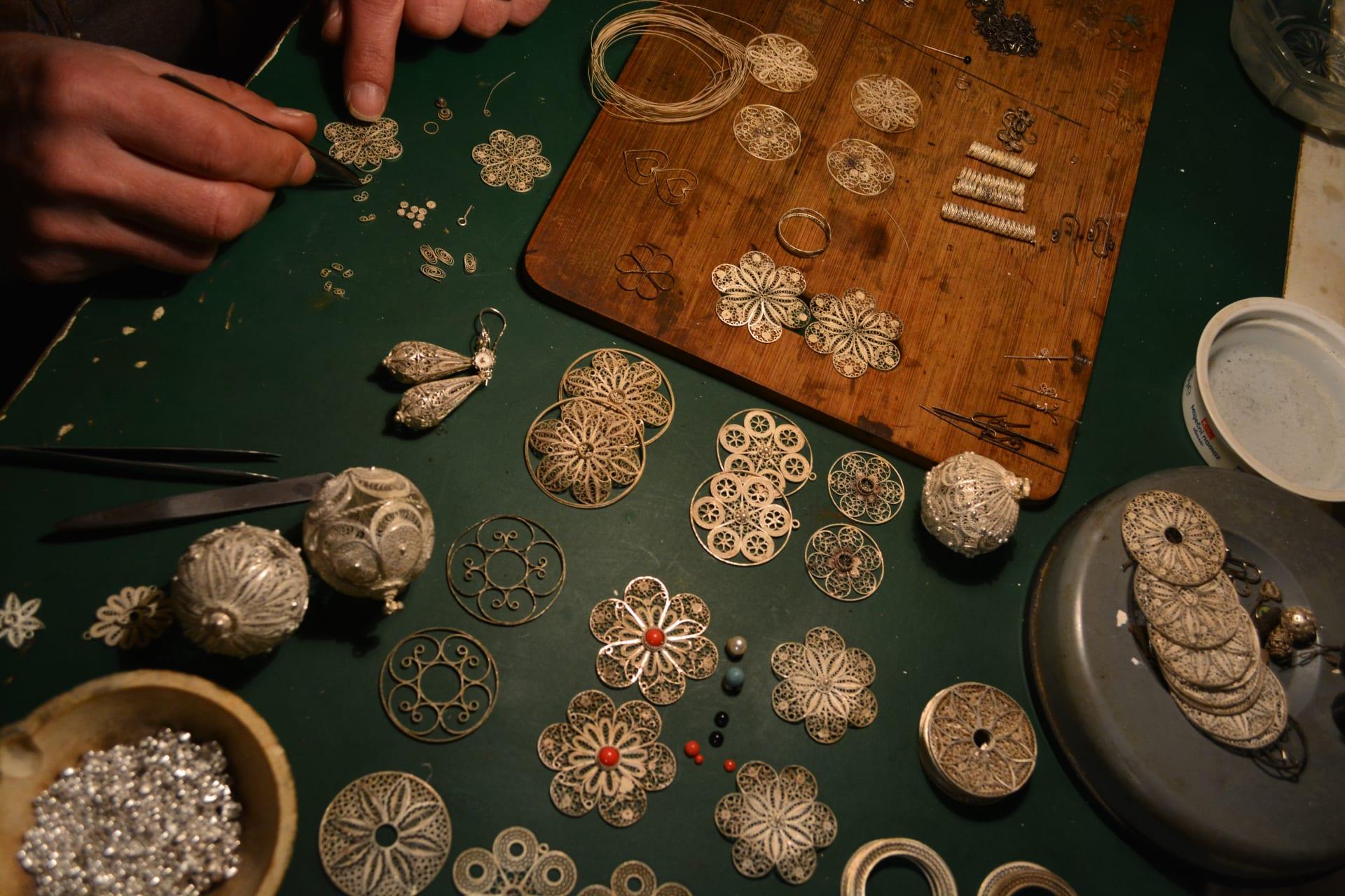 Korcula - The Art of Traditional Filigree Jewellery - Botuni