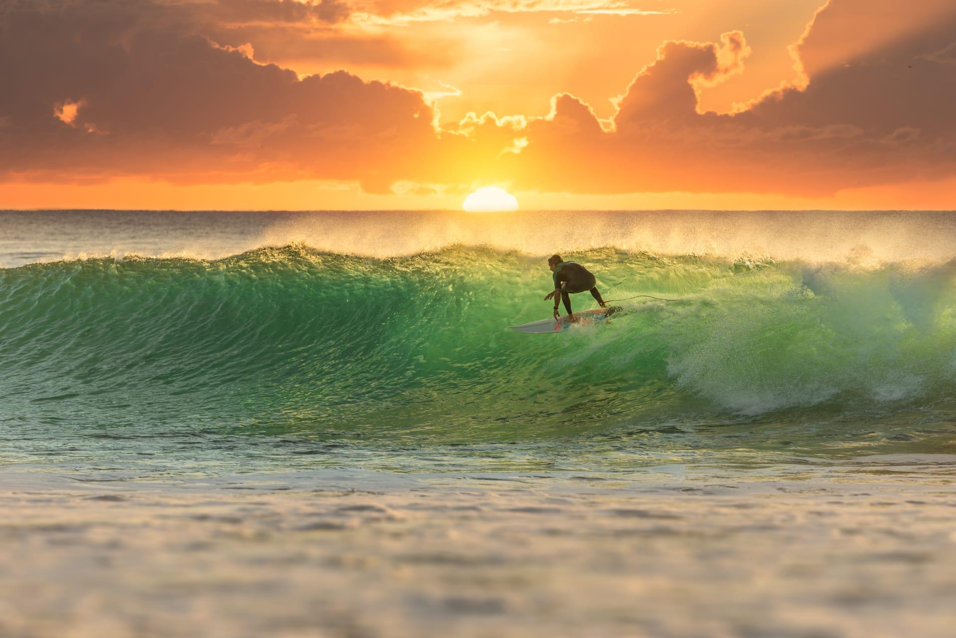 Queensland - Aussie Beach Stroll: Sunrise (Queensland)