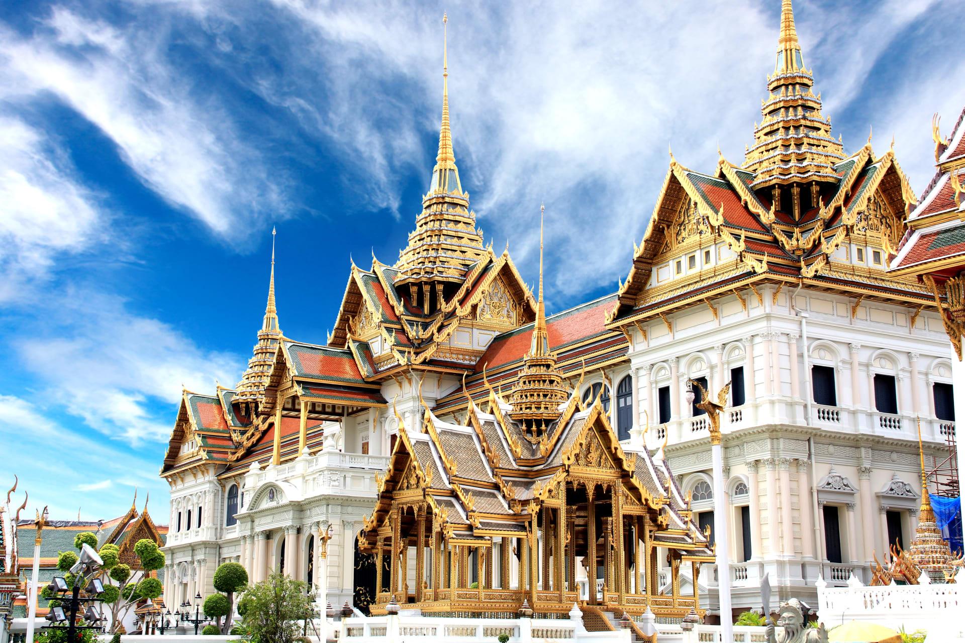 Bangkok - Riding on motorbike to view Bangkok old city