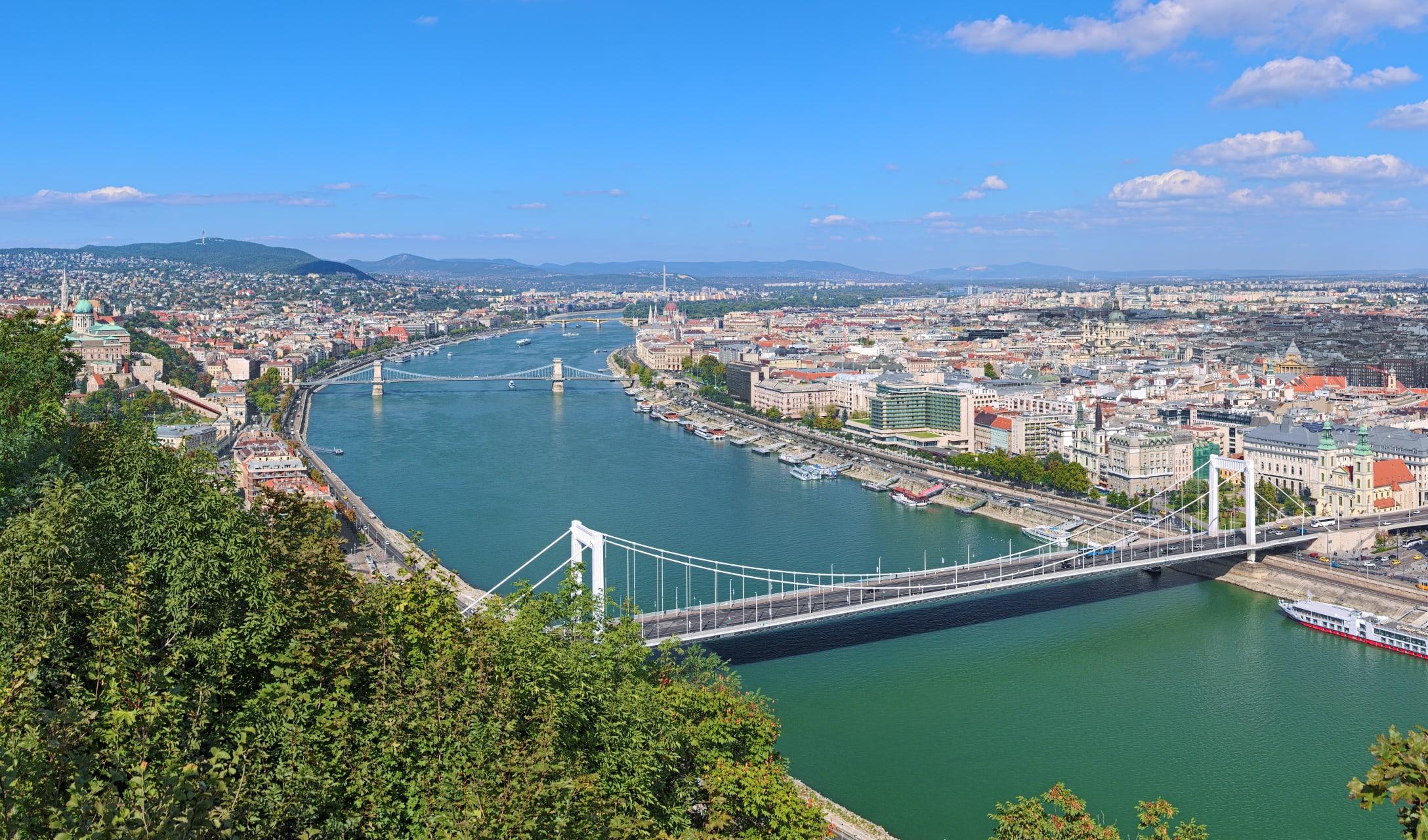 Budapest - The Heart of Budapest and the Elisabeth Bridge