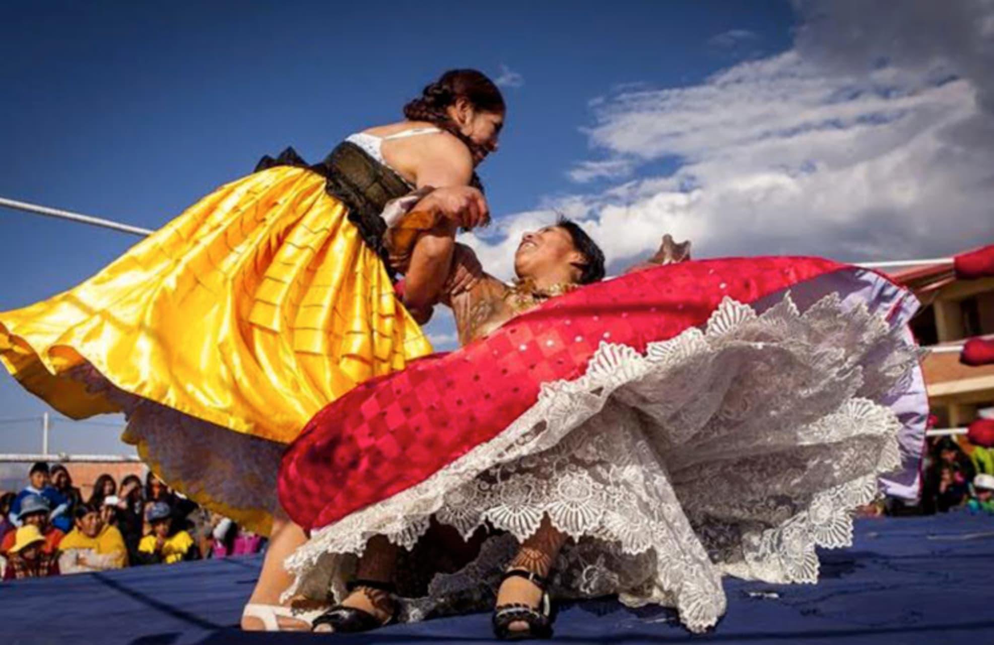 La Paz - Bolivian Cholitas Wrestling
