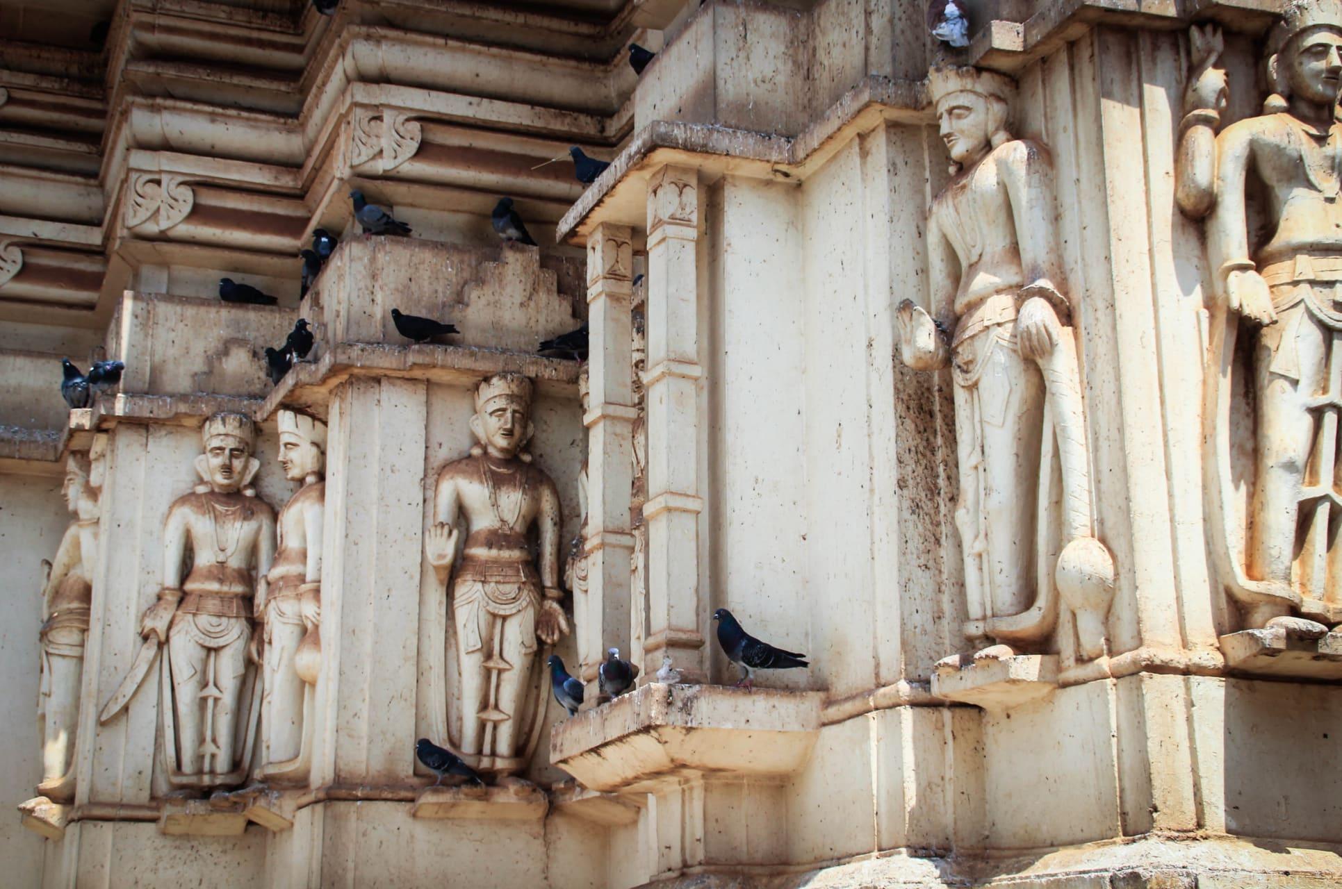 Kampala - Inside the Beautiful Hindu Temple: See the Hindu Gods!