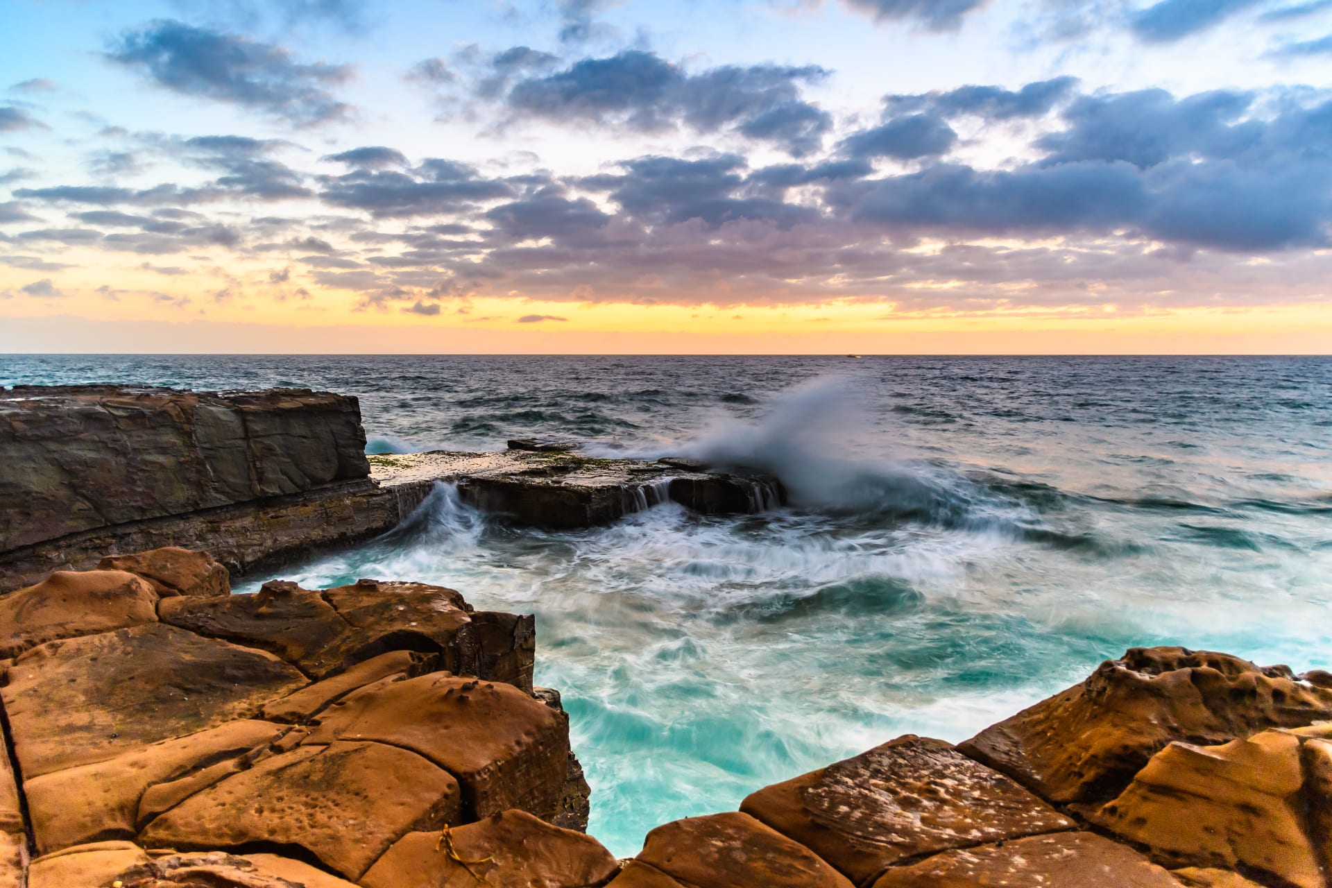 New South Wales - Aussie Beach Stroll: Sunrise (New South Wales)