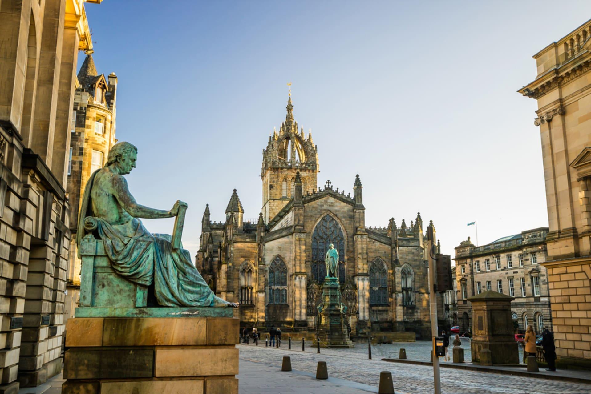 Edinburgh - An Introduction to Edinburgh Castle and the Royal Mile