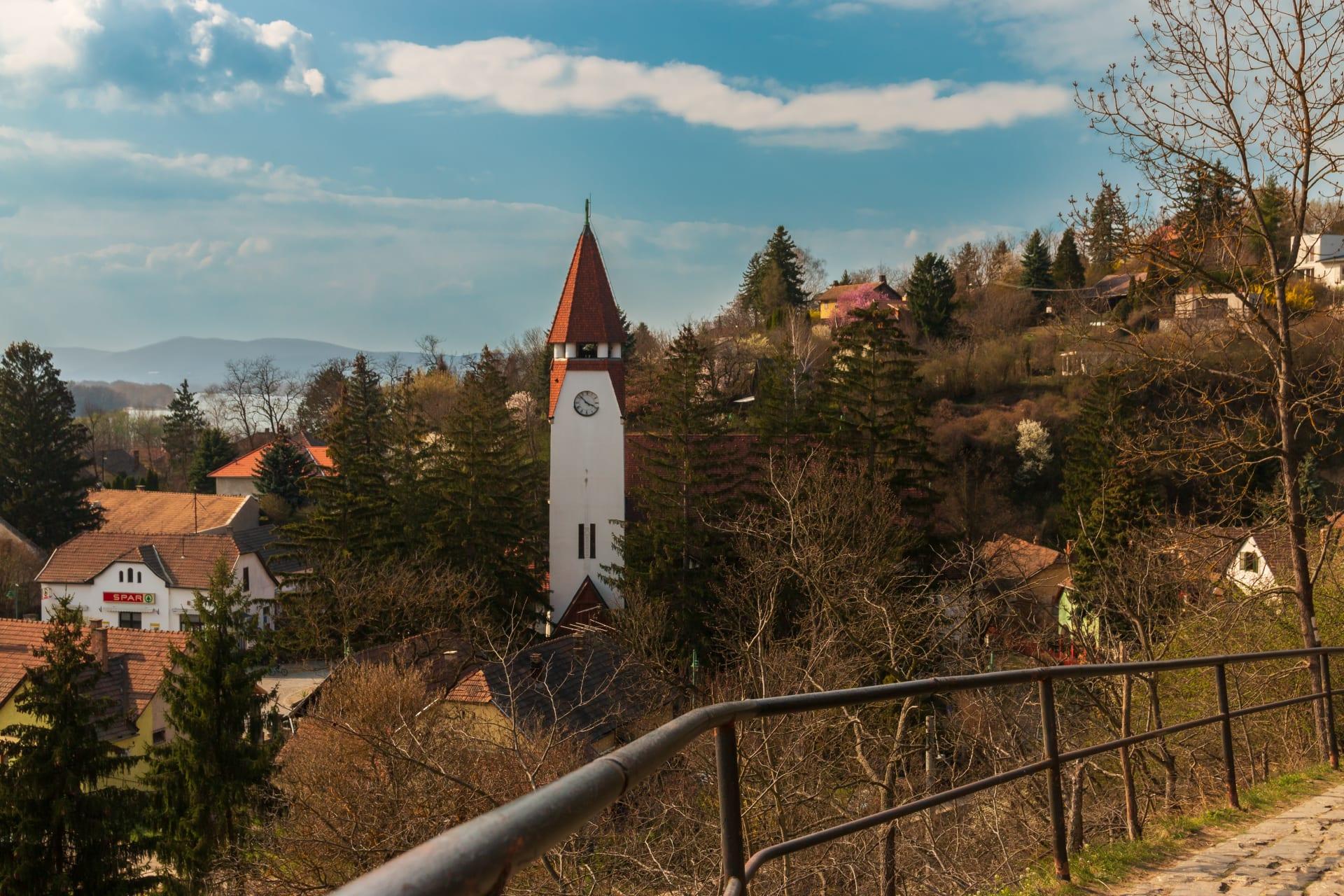 Zebegeny - The Danube Bend Series : Cycling & Walking around Zebegeny