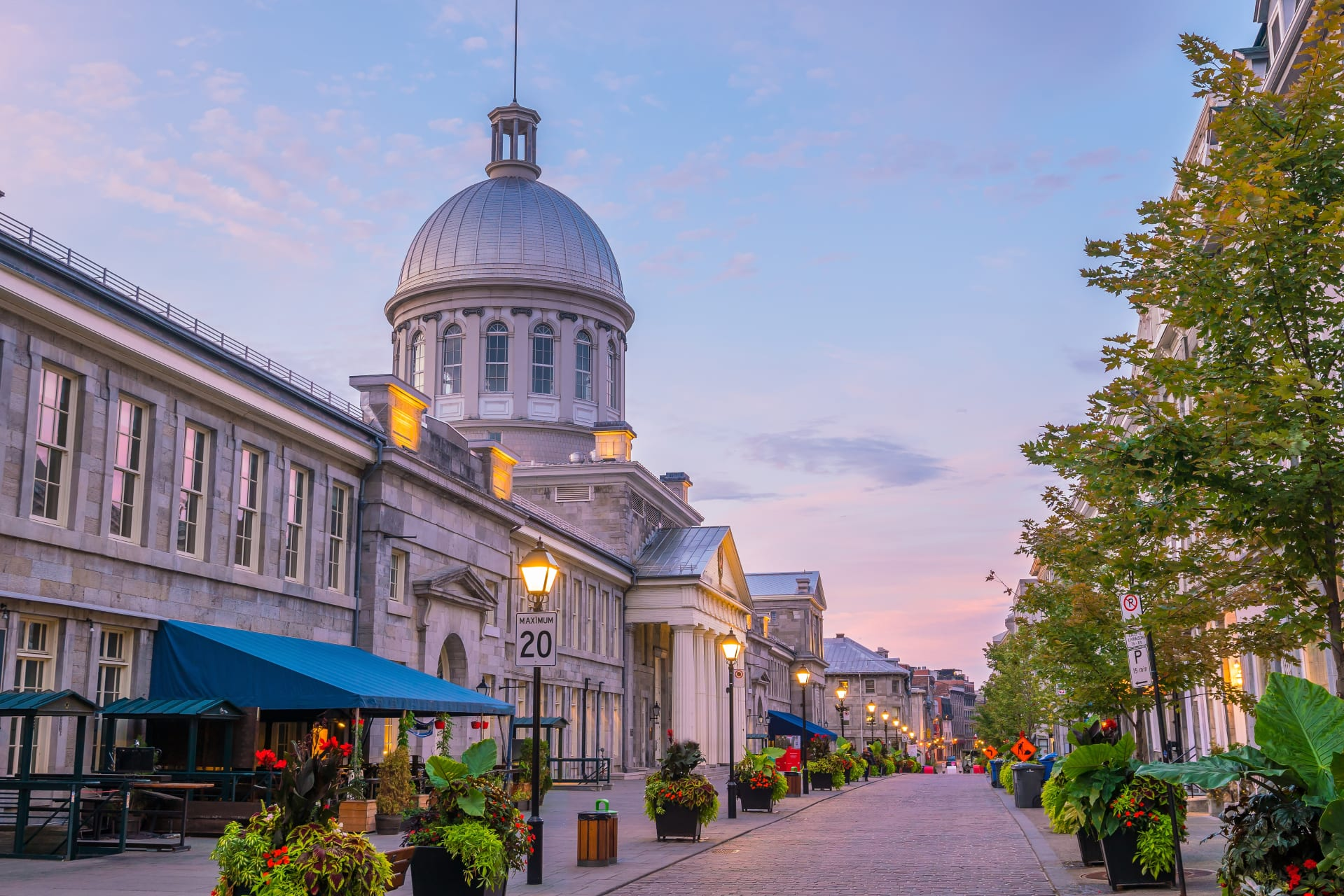 Montreal - Old Montreal (LEARNING FRENCH ADVANCED/TOUR IN FRENCH)