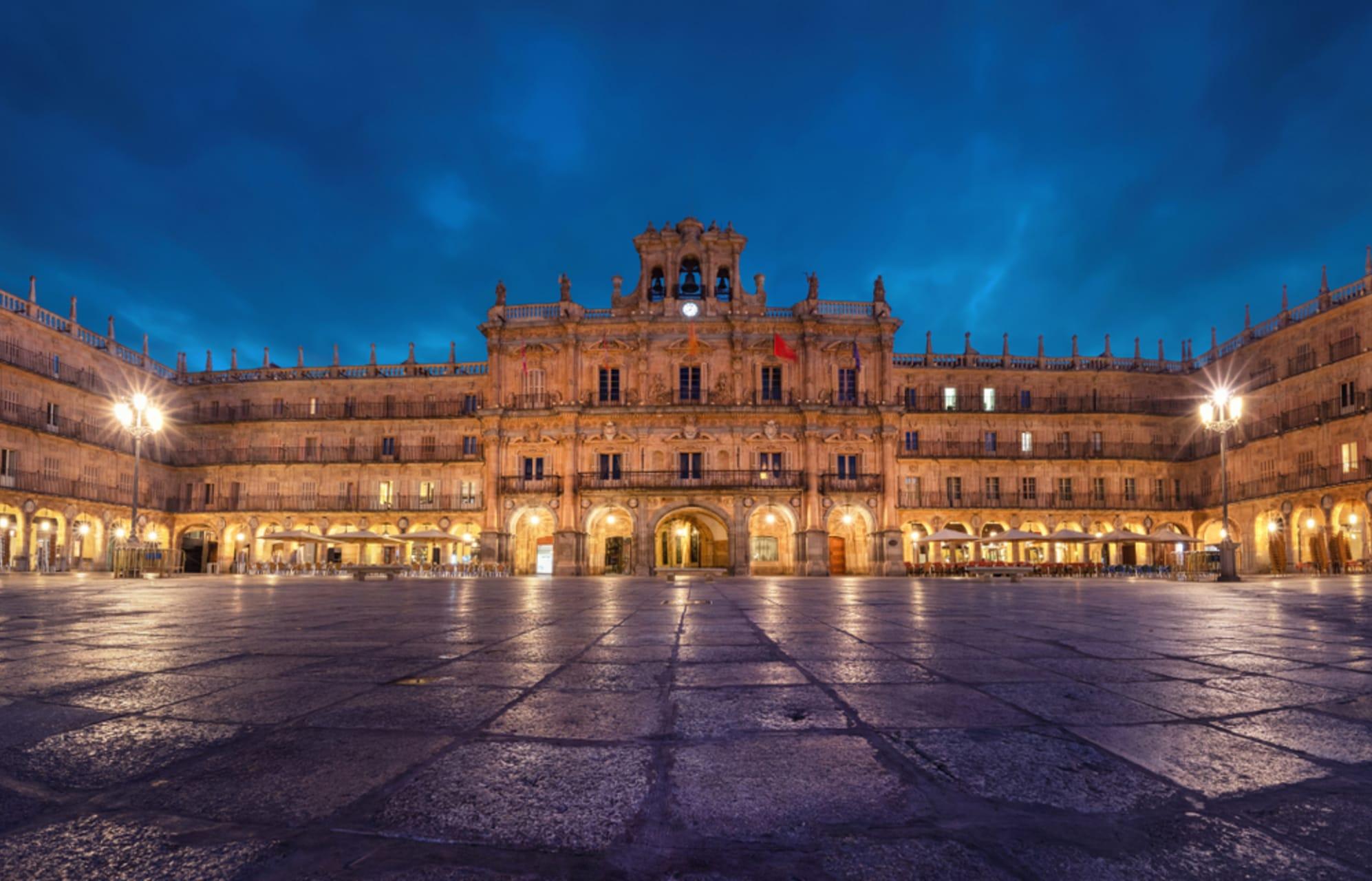 Salamanca - Salamanca by Night - Plaza Mayor, University, Casa de las Conchas & Cathedral