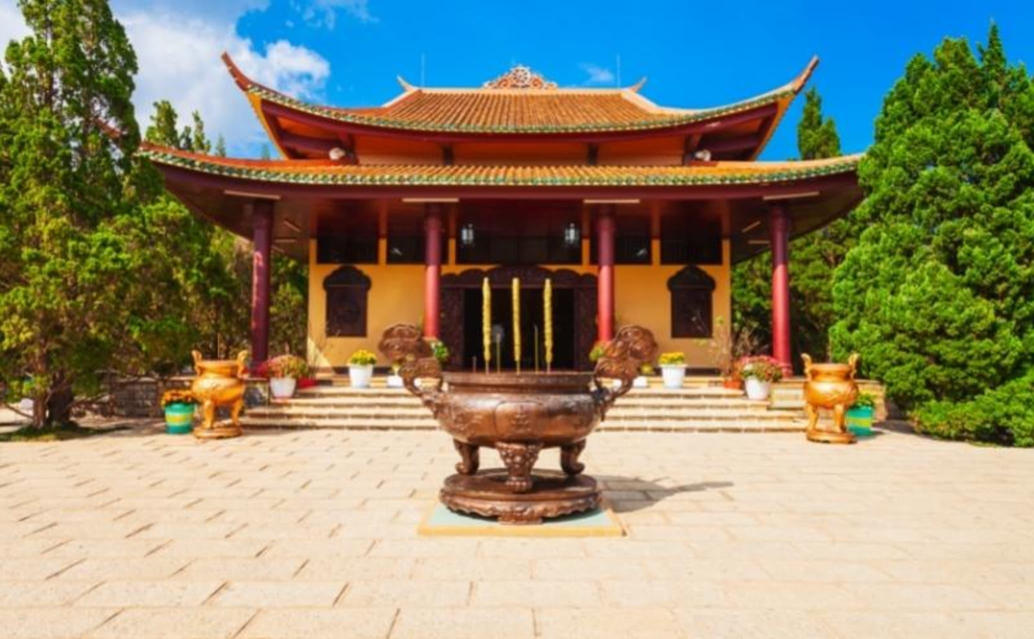 Hue - Hidden Huế - Day 8: The Golden Pagoda
