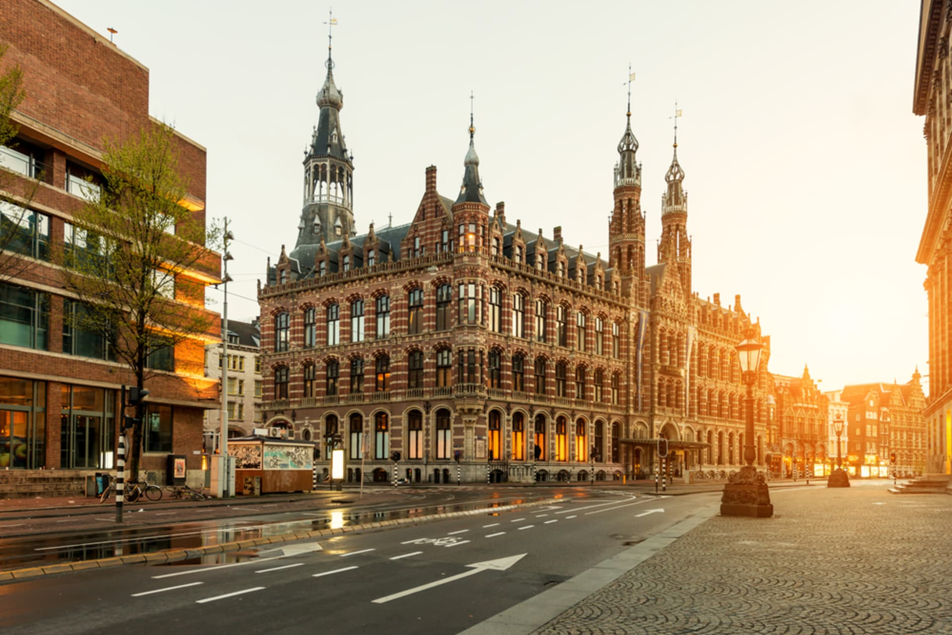 Amsterdam - Princes and Paupers - Royal Palace to the Jordaan