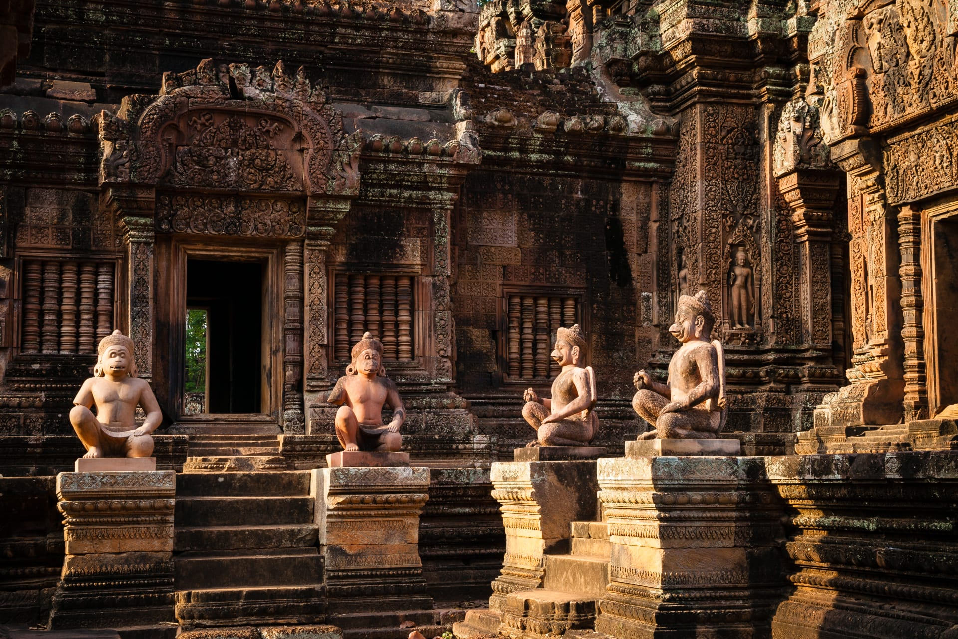 Siem Reap - Banteay Srei Temple - The Most Skillfully Crafted