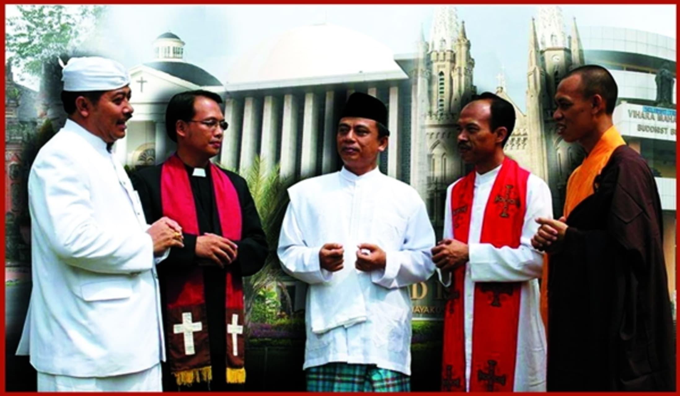Yogyakarta - A Divine Trip : Religion in Indonesia