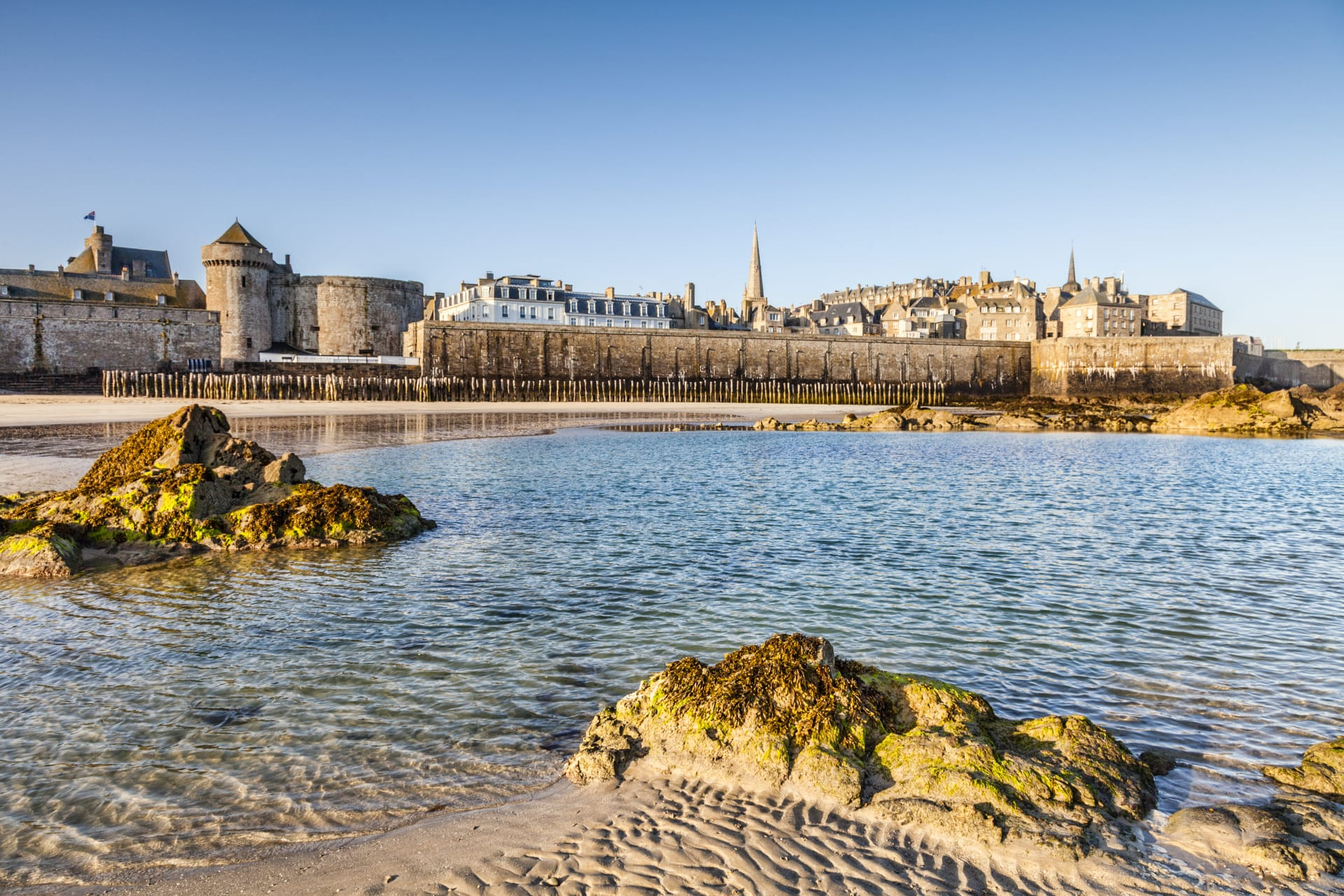 Brittany North - Saint Malo, maze of medieval streets