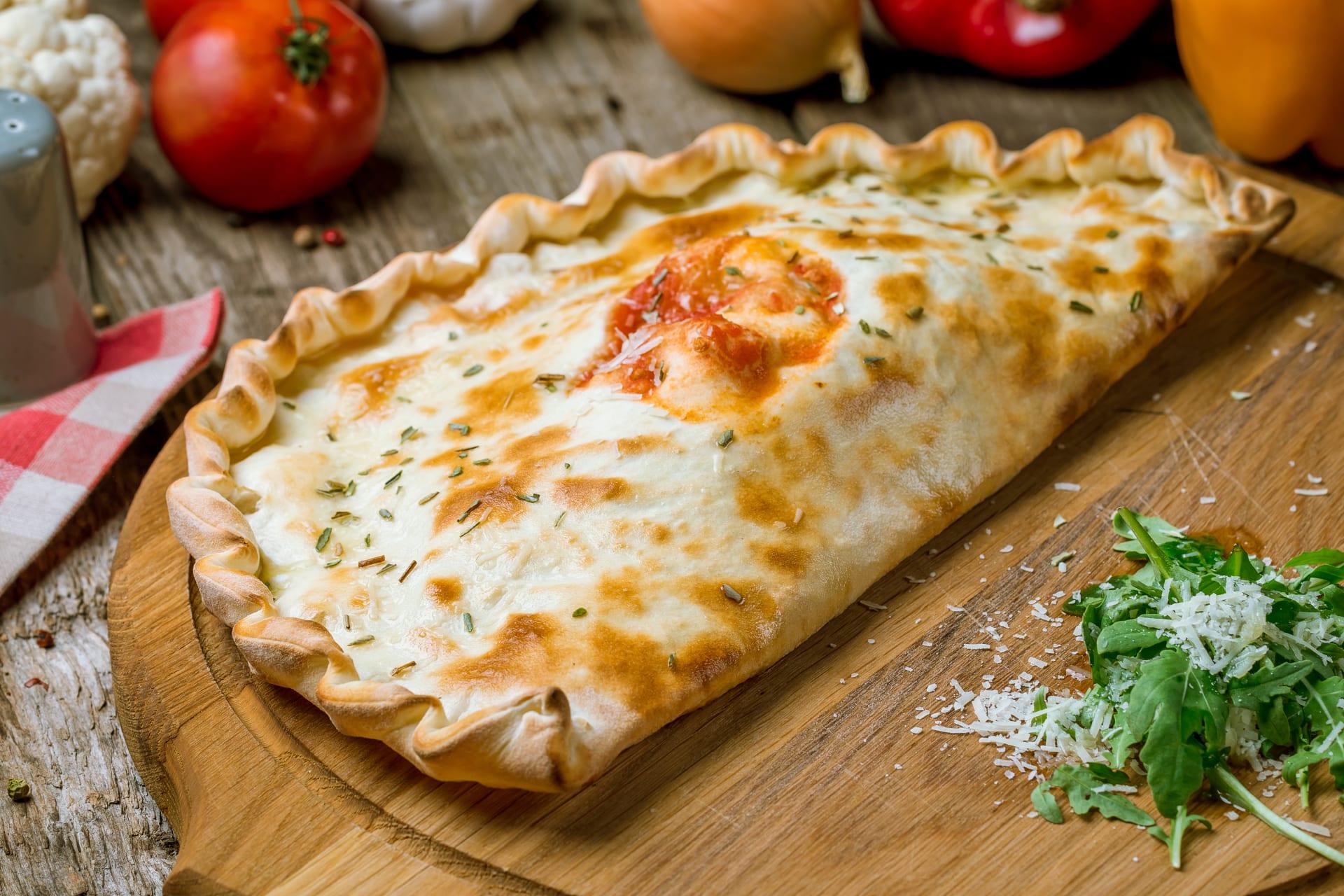 Ravenna - Crescione (the Instant Calzone):  Emilia Romagna Street Food Part 2