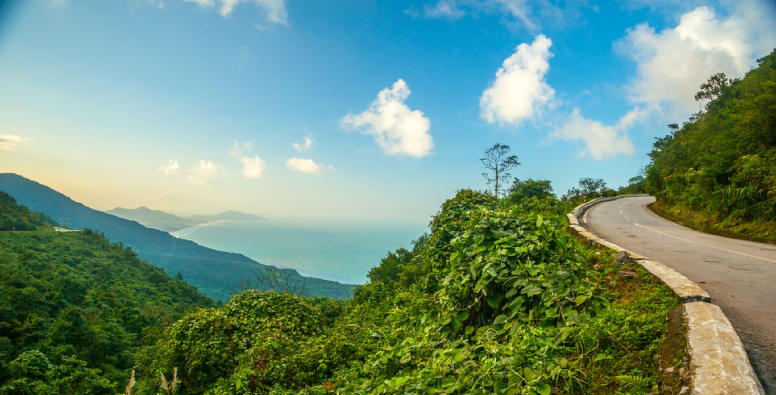 """Da Nang - Đà Nẵng - Day 2: Whole City View on """"The Cloud & Ocean"""" Pass"""