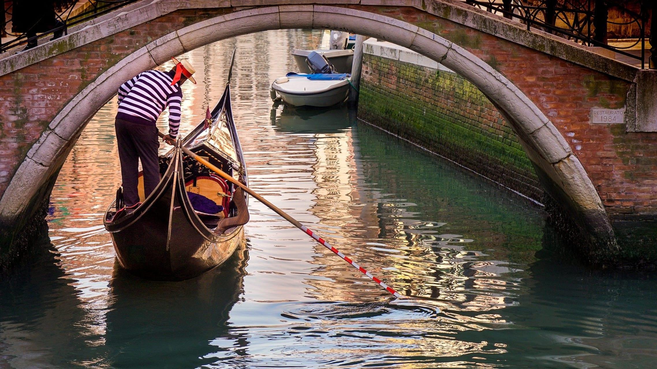 Venice - Gondola Ride ... in Dorsoduro District