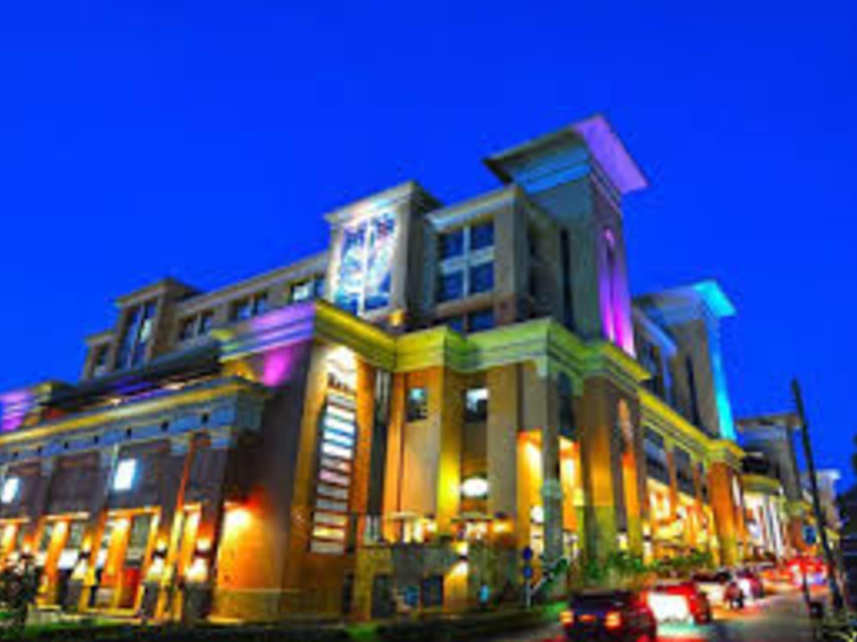 Kampala - Welcome to Acacia Mall: Your Premium Shopping & Leisure Destination