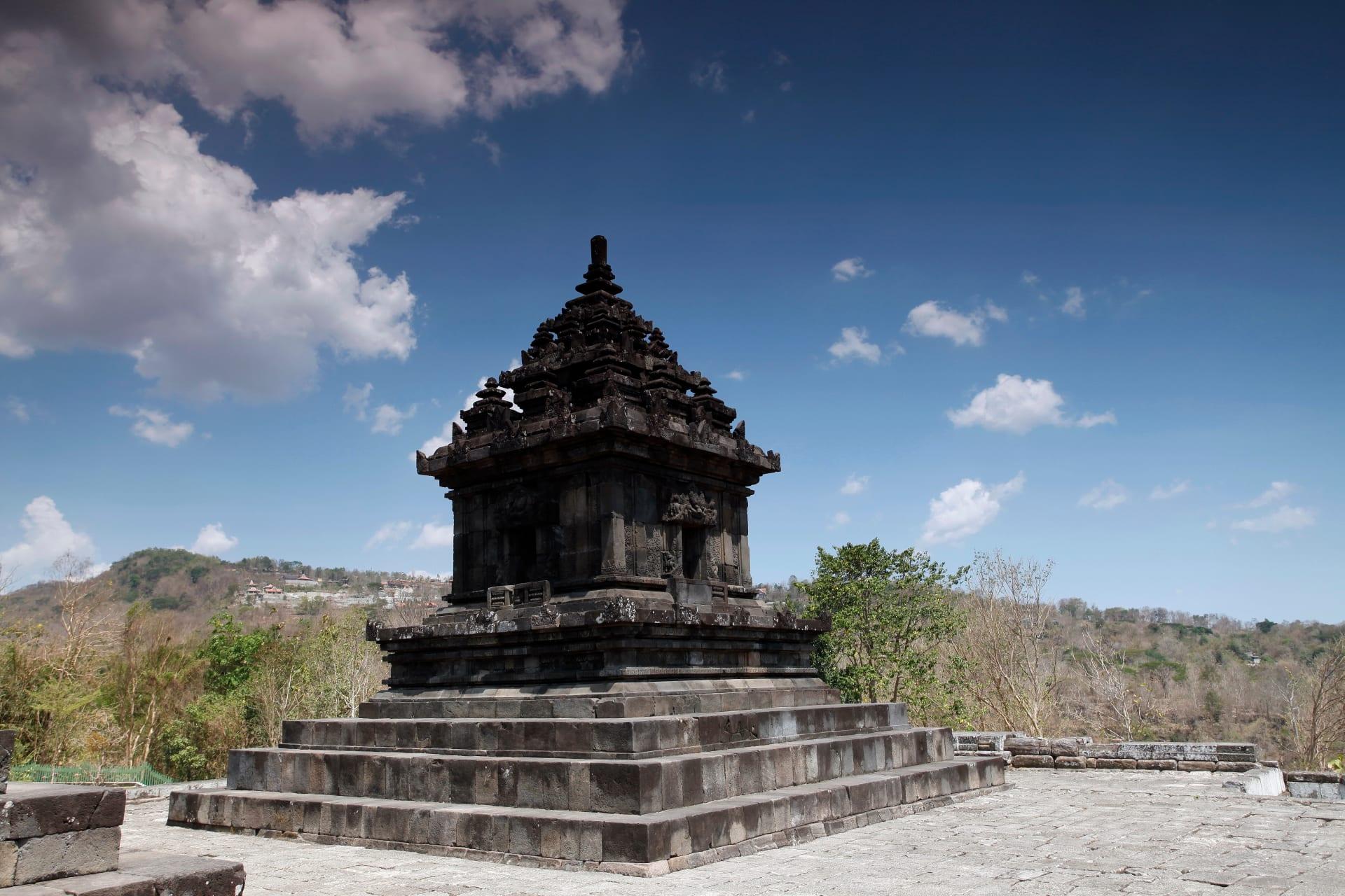 Yogyakarta - Hidden Temple Walk : from Banyunibo to Barong Temple