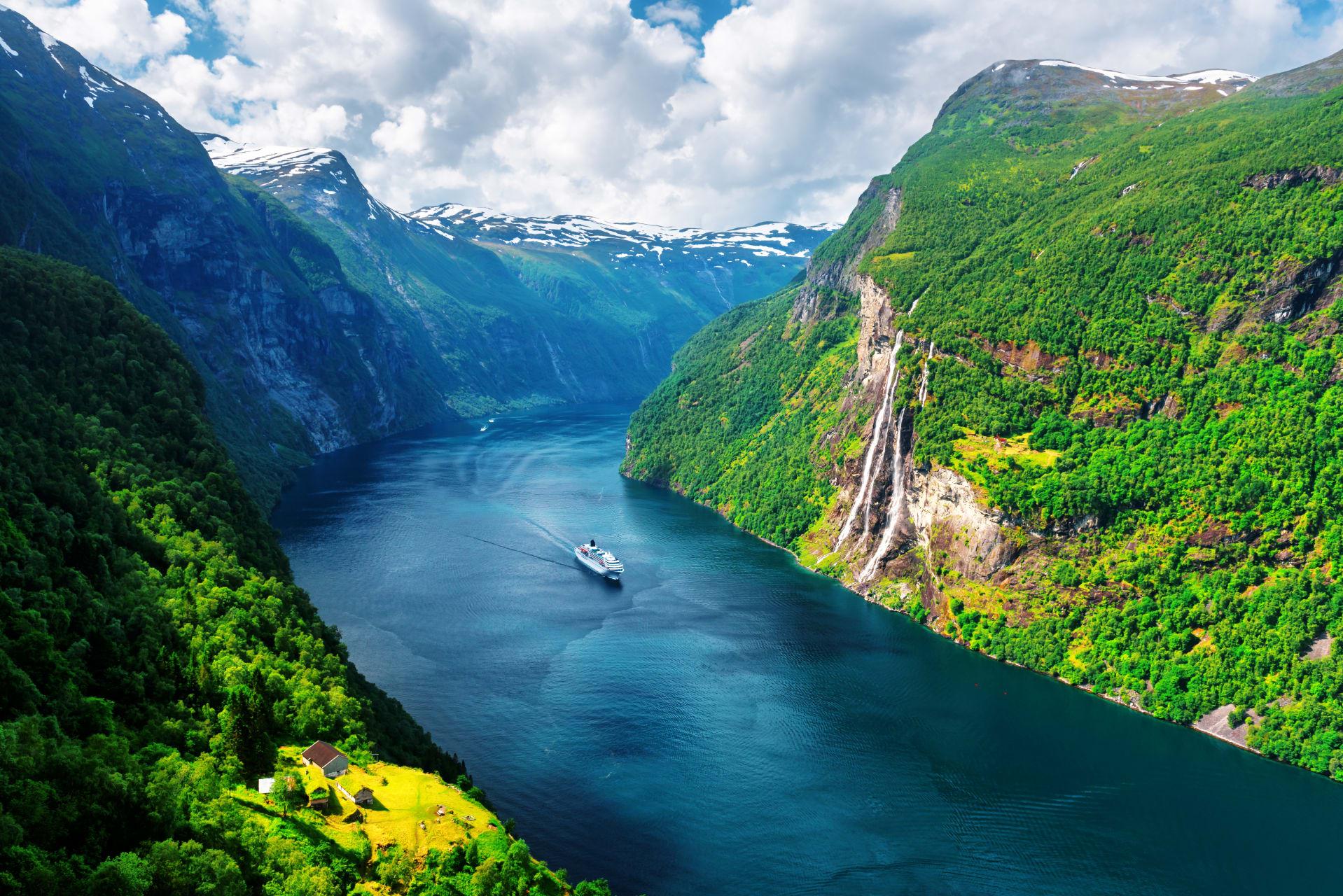 Bergen - Exploring the Fjords of Norway
