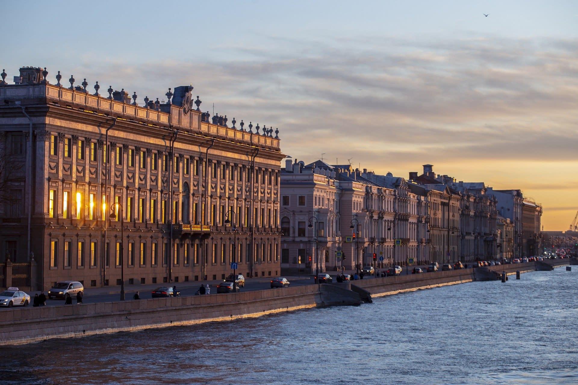 Saint Petersburg - Revolution Series: Between the Two Revolutions