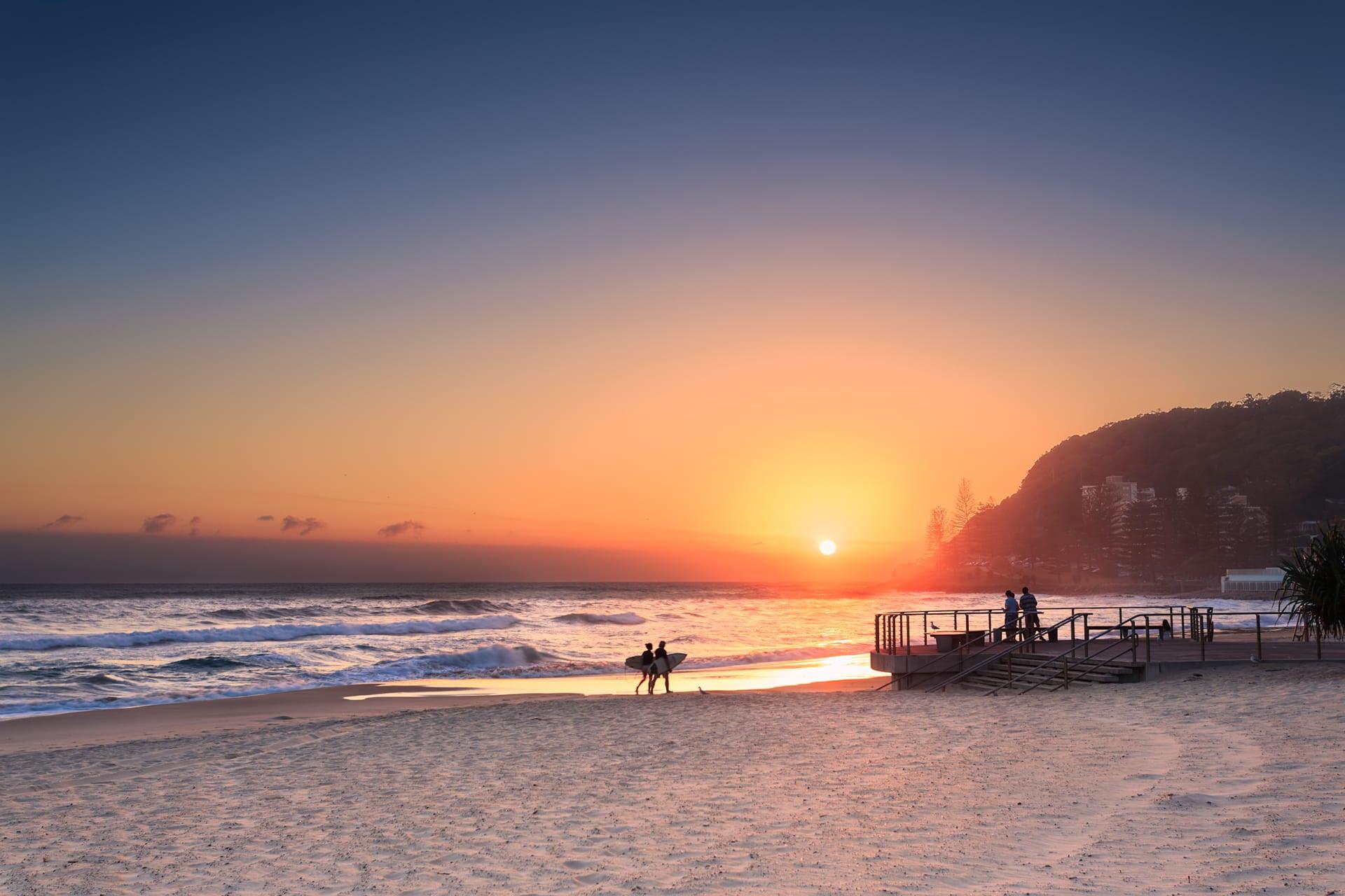 Queensland - Aussie Beach Stroll: Sunset (Queensland)