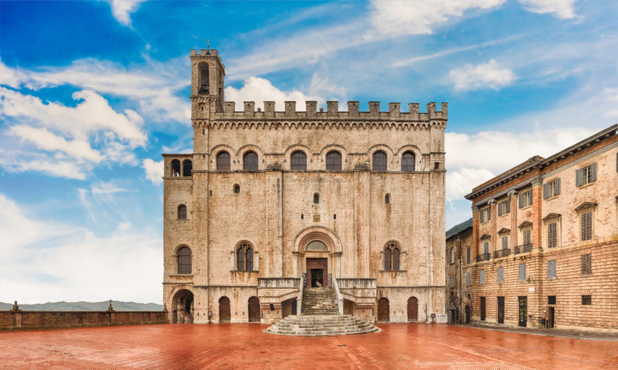 Gubbio - Gubbio - The Middle Ages - Saint Ubaldo - The Wolf