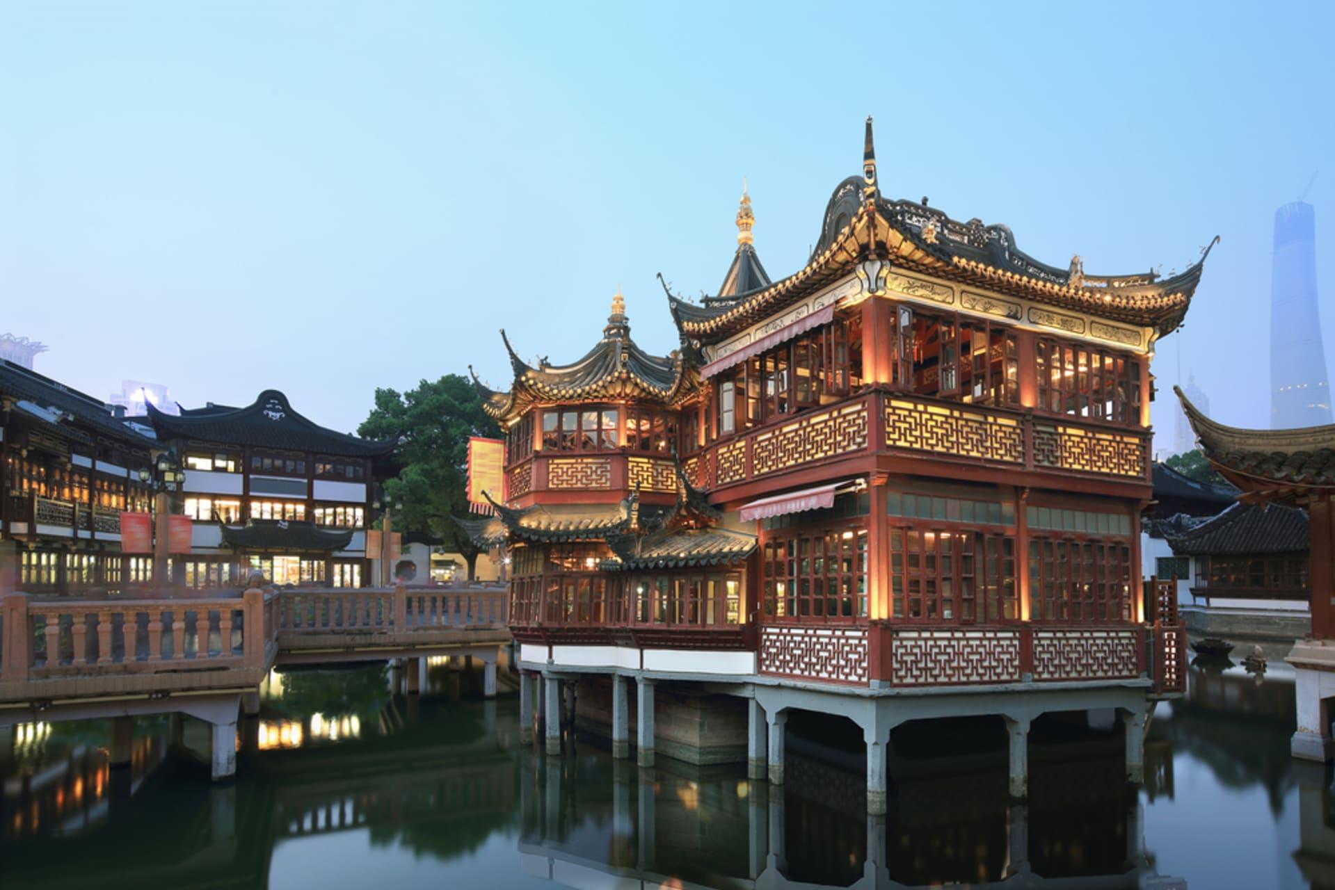 Shanghai - Yuyuan Bazaar: Historical Center of Shanghai